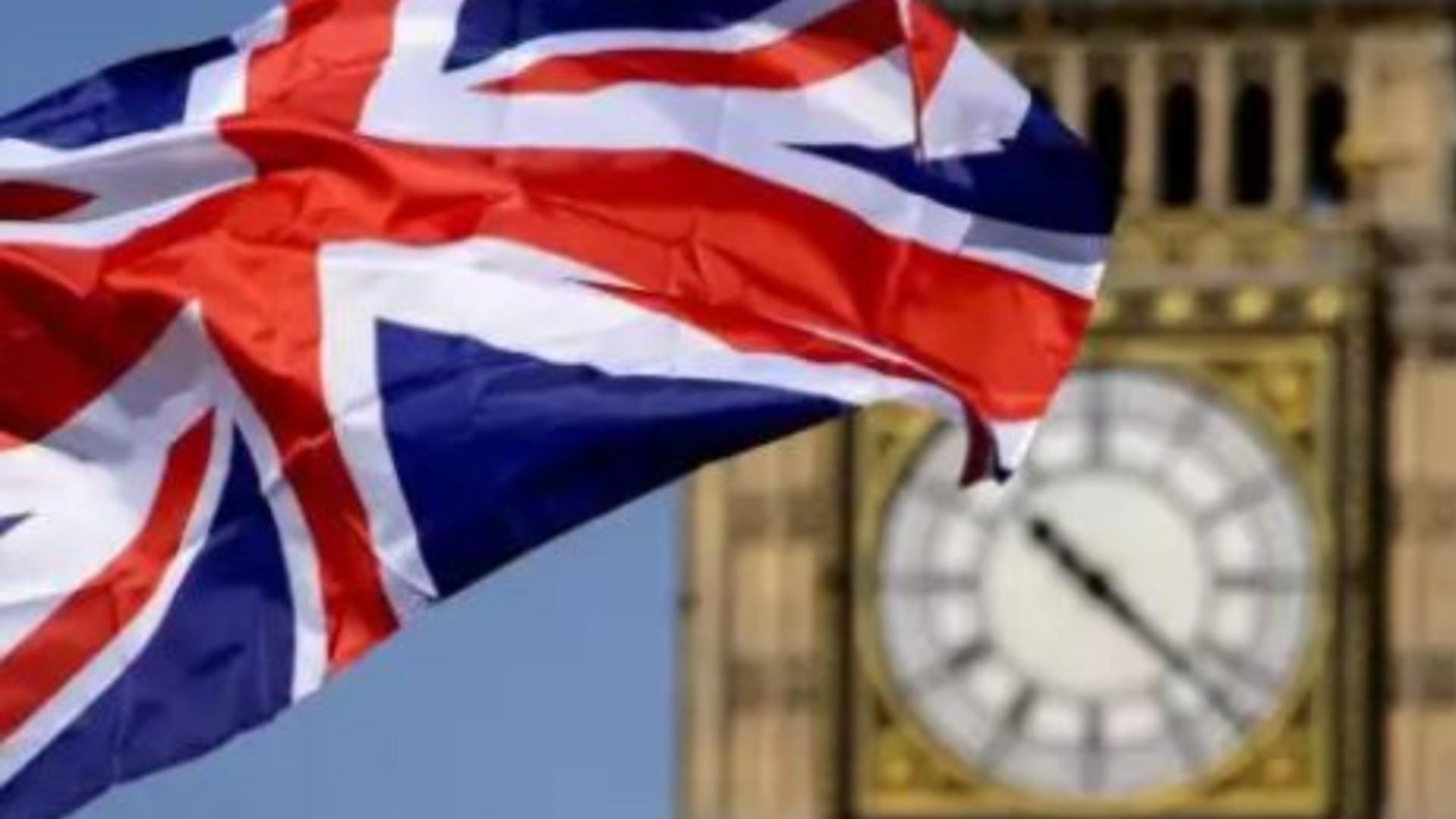 Românii care vor să rămână în Marea Britanie mai pot solicita rezidența până la 30 iunie 2021