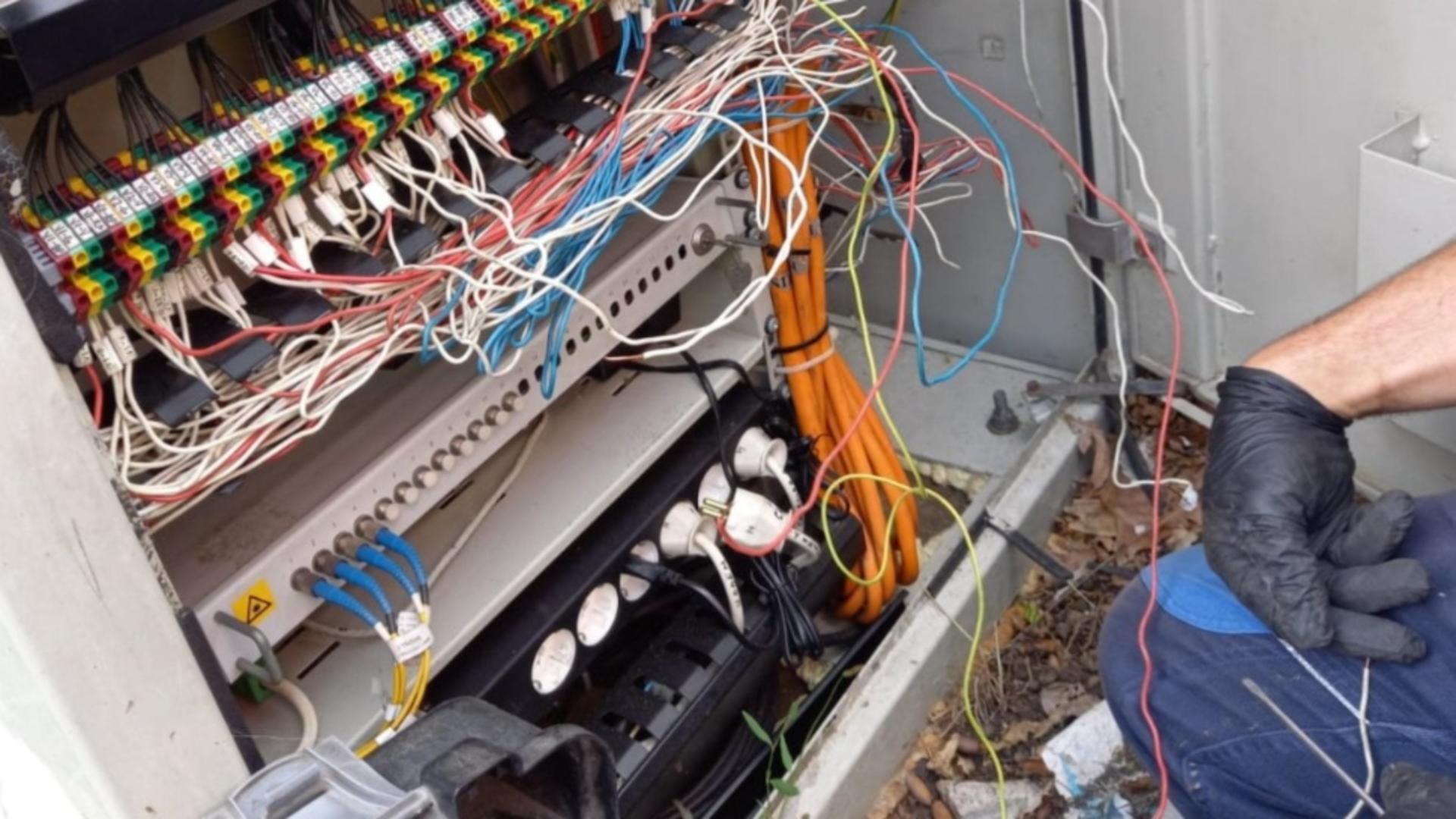 Cablu electric ros de sobolani (sursă FB/CMMTB)