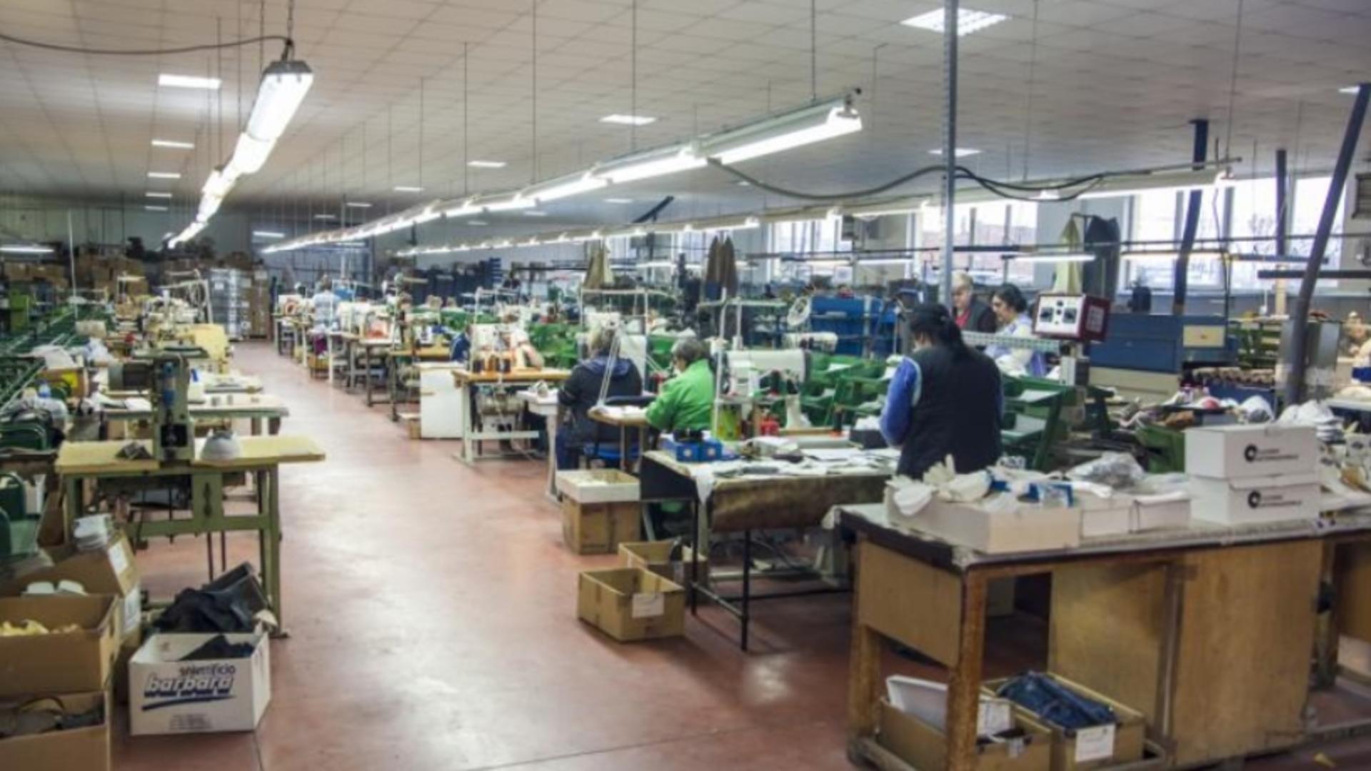 Fabrică de încălțăminte (foto ilustrativ)