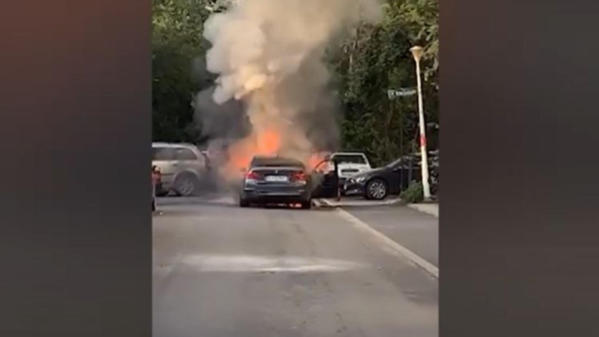 O masina a luat foc