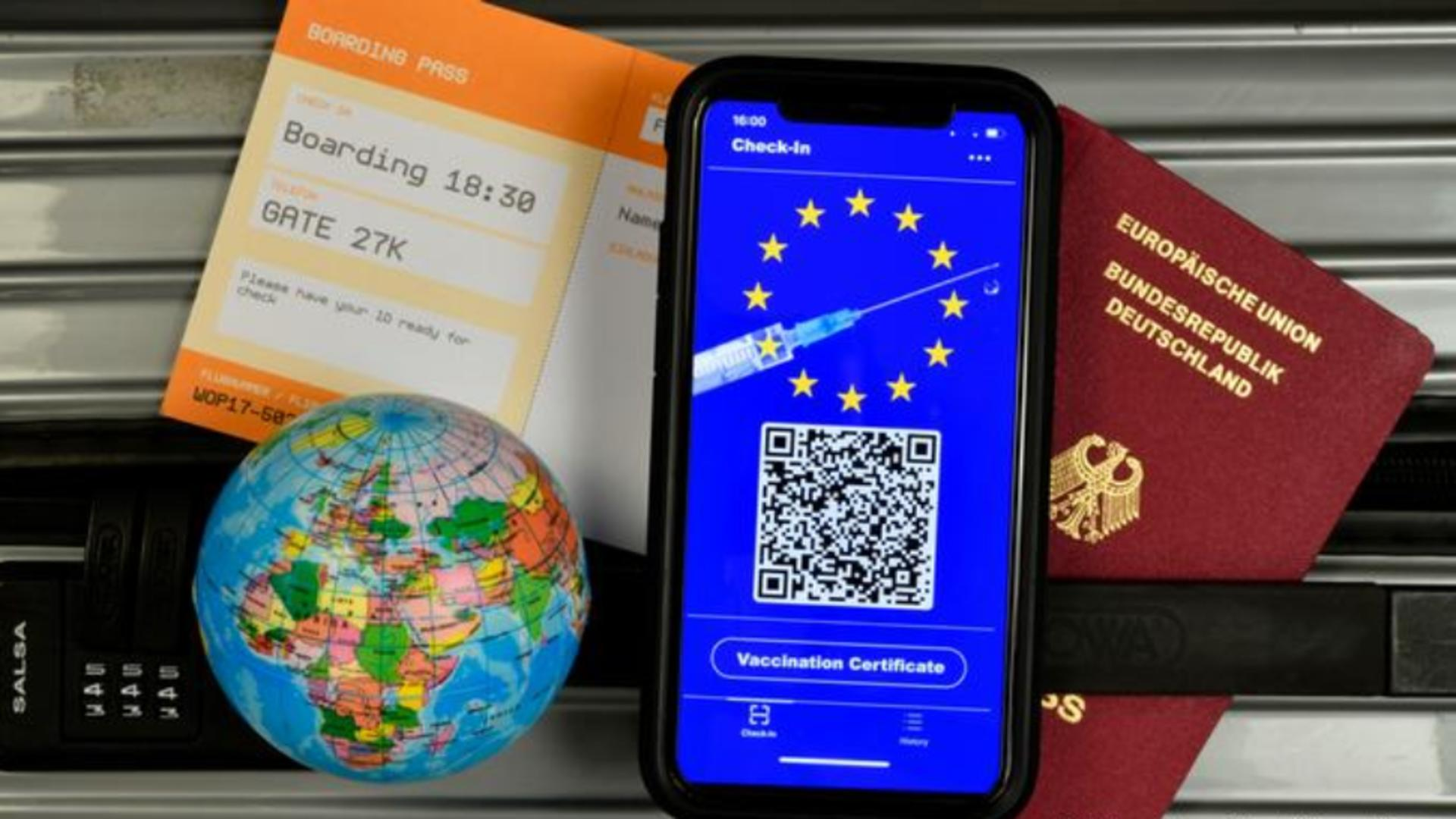 Românii vor putea călători în UE cu pașaportul digital COVID-19 - De unde poate fi descărcat de la 1 iulie Foto: DW.com