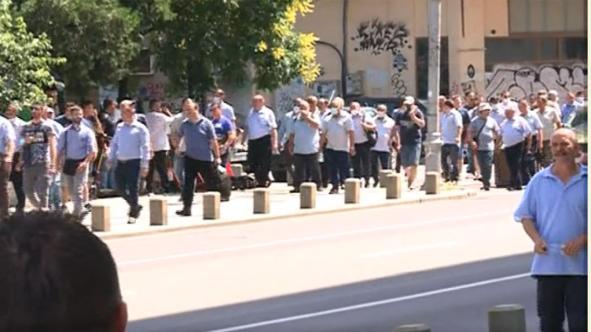 Protest la Primăria Capitalei. Foto: captură Realitatea Plus