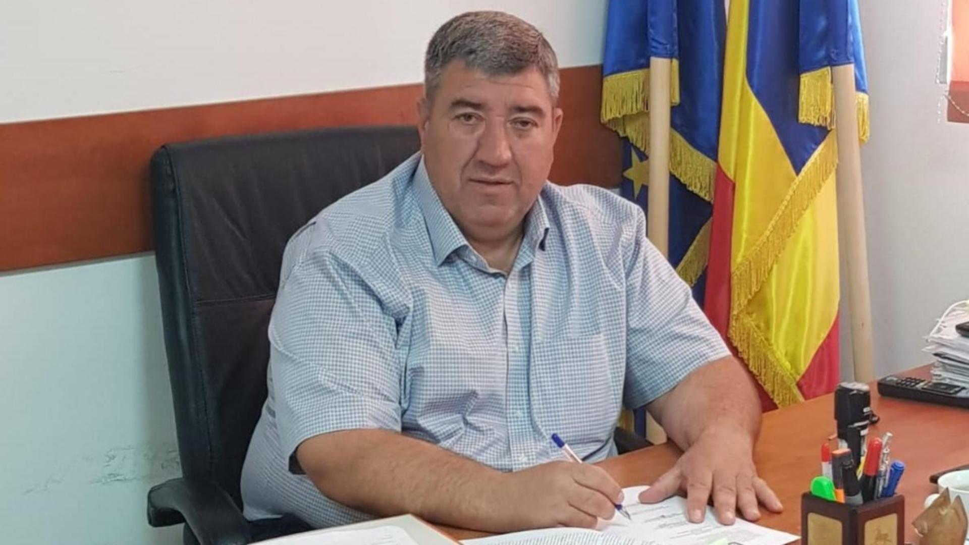Robert Ștefan, primar la Ștefăneștii de Jos