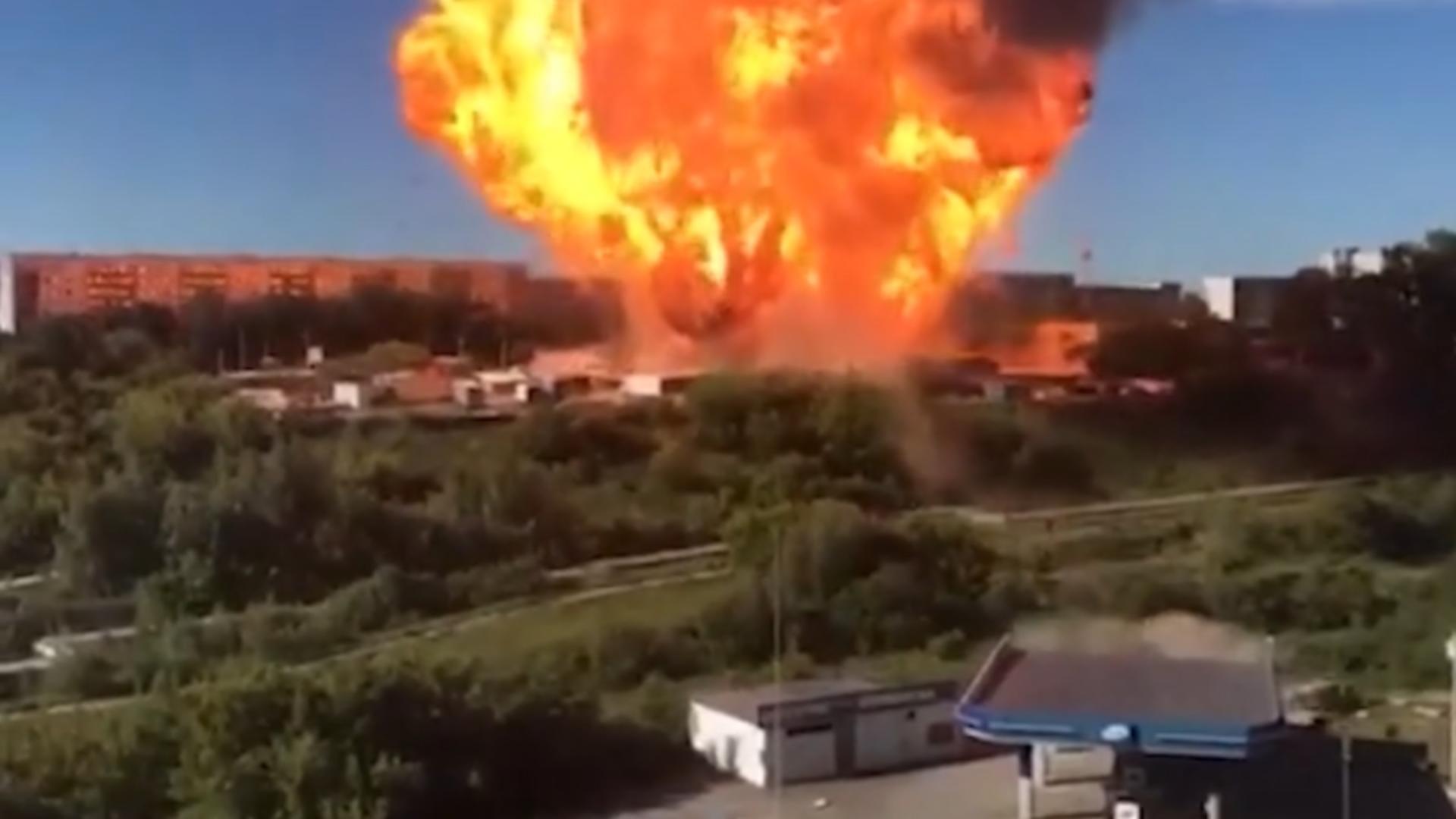Suflul exploziei a fost devastator (sursă; captură video)