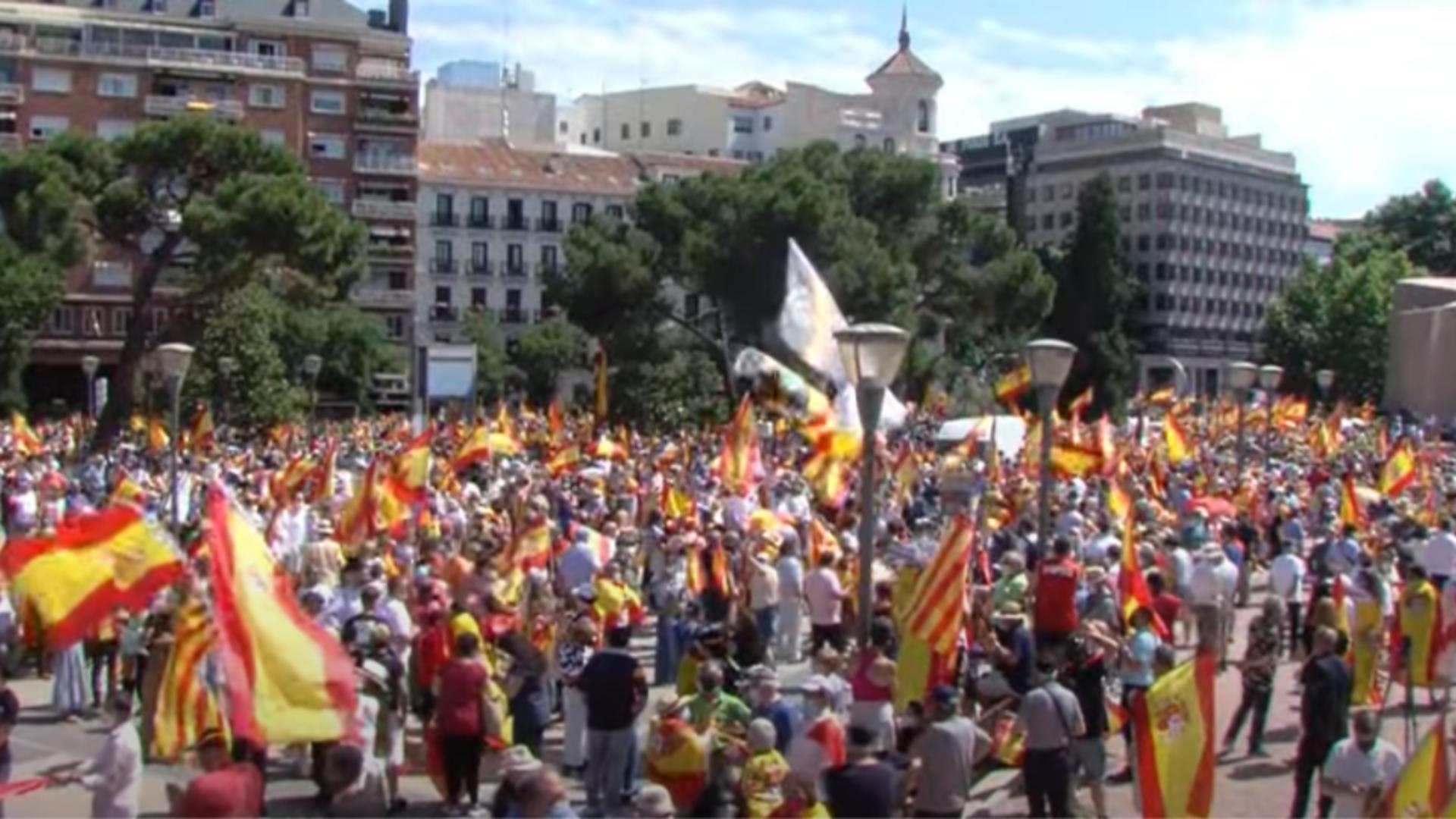VIDEO   Spania fierbe - Proteste masive la Madrid. Premierul, acuzat de trădare