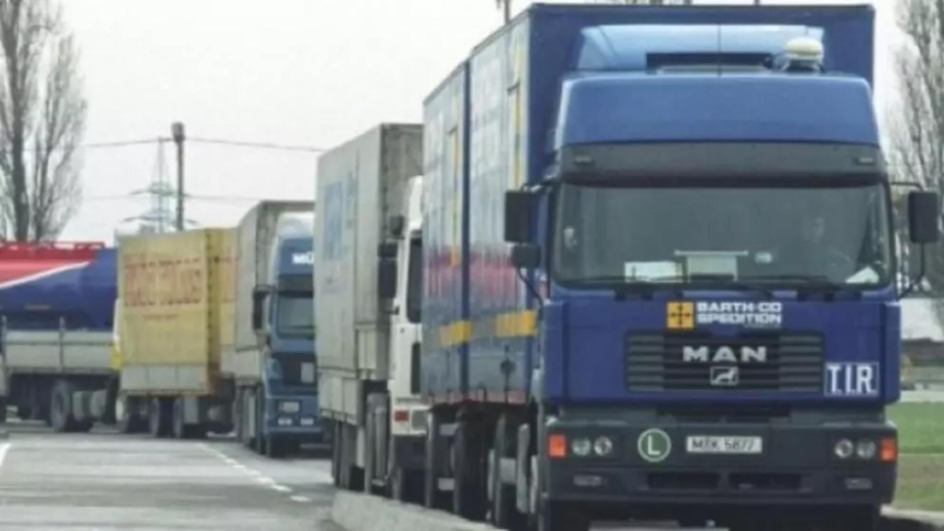 Șoferi de TIR, morți în Italia
