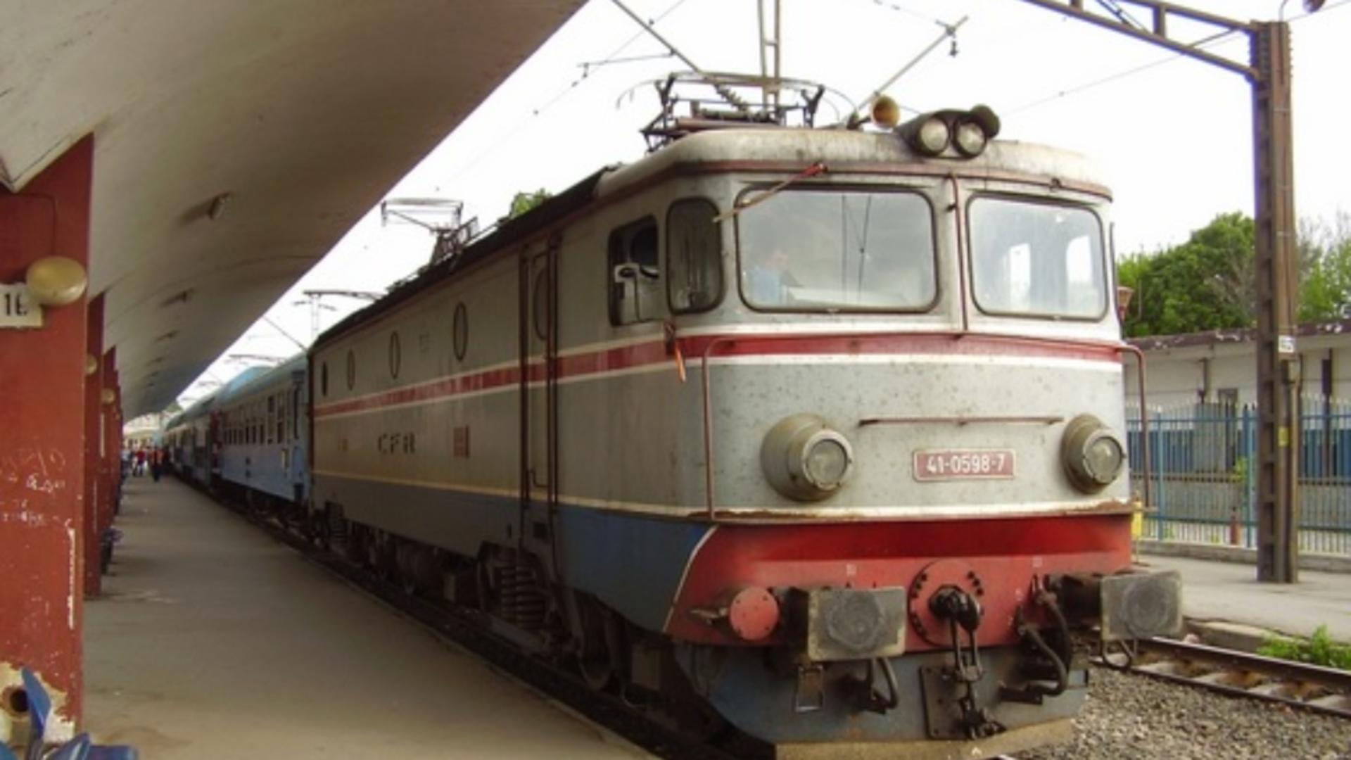 Tren in gară (foto arhiva)