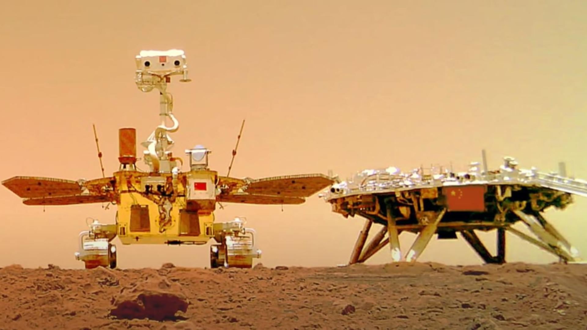 Noi imagini cu roverul chinezesc Zhurong de pe planeta Marte.Foto/CNSA