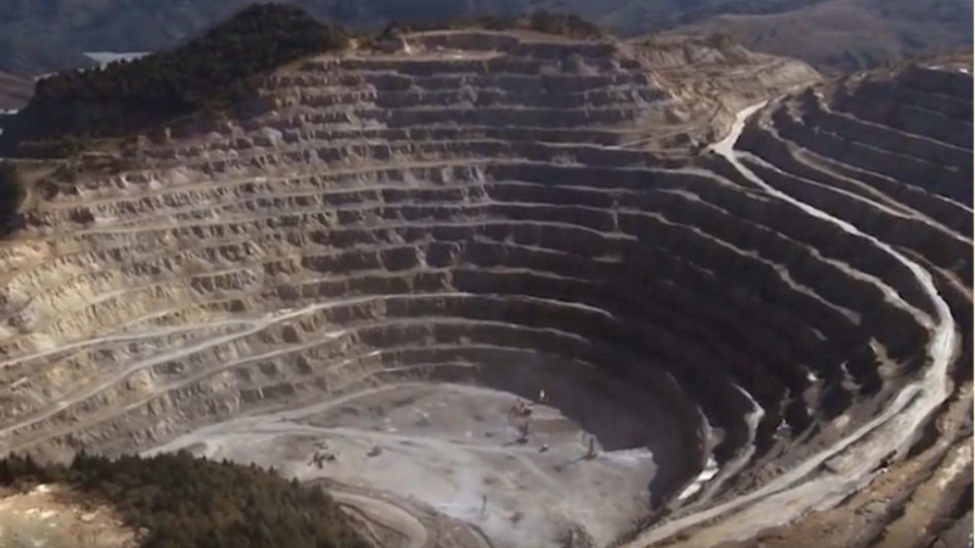 Exploatare minieră Roșia Montană / Captură foto