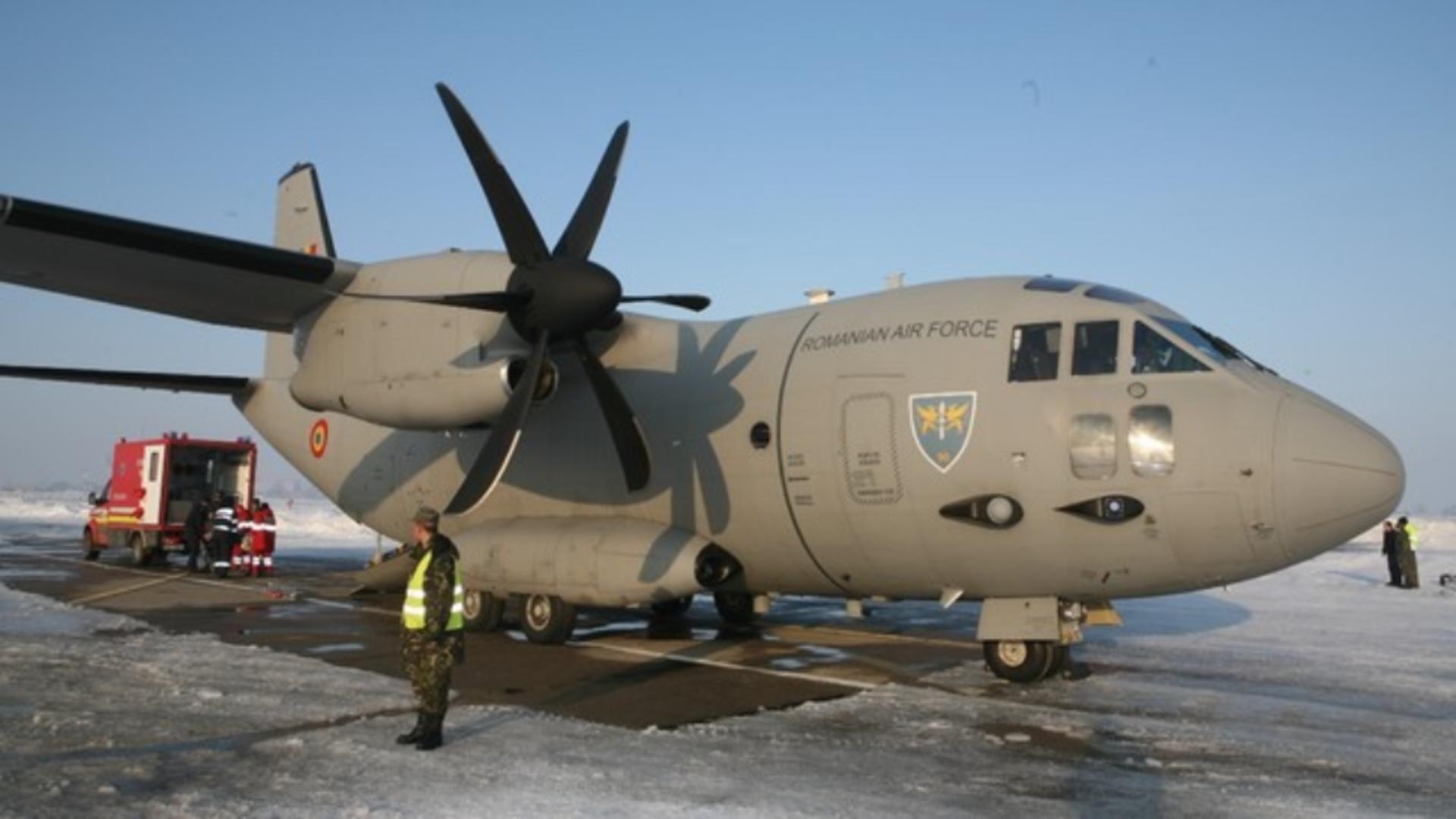 Aeronavă militară pentru misiuni medicale - imagine de arhivă