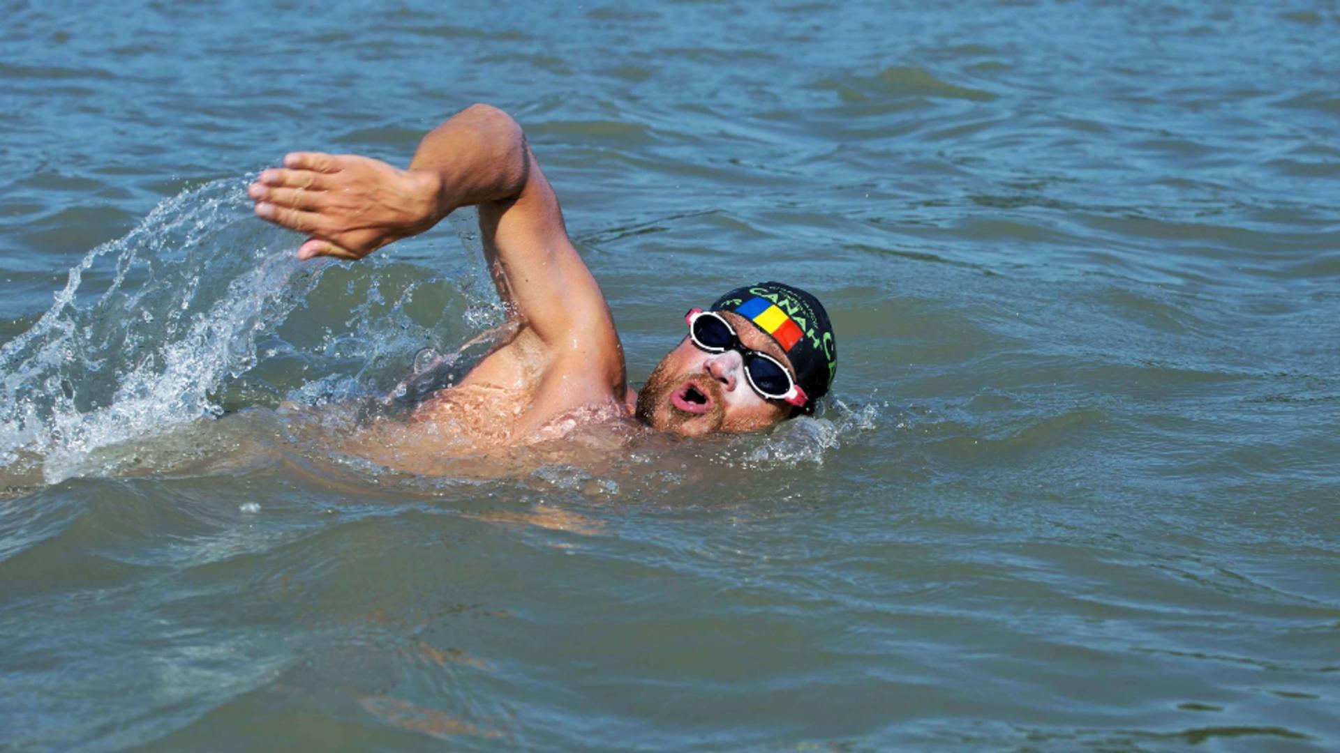 Înotătorul Avram Iancu, abandon din cauza furtunii