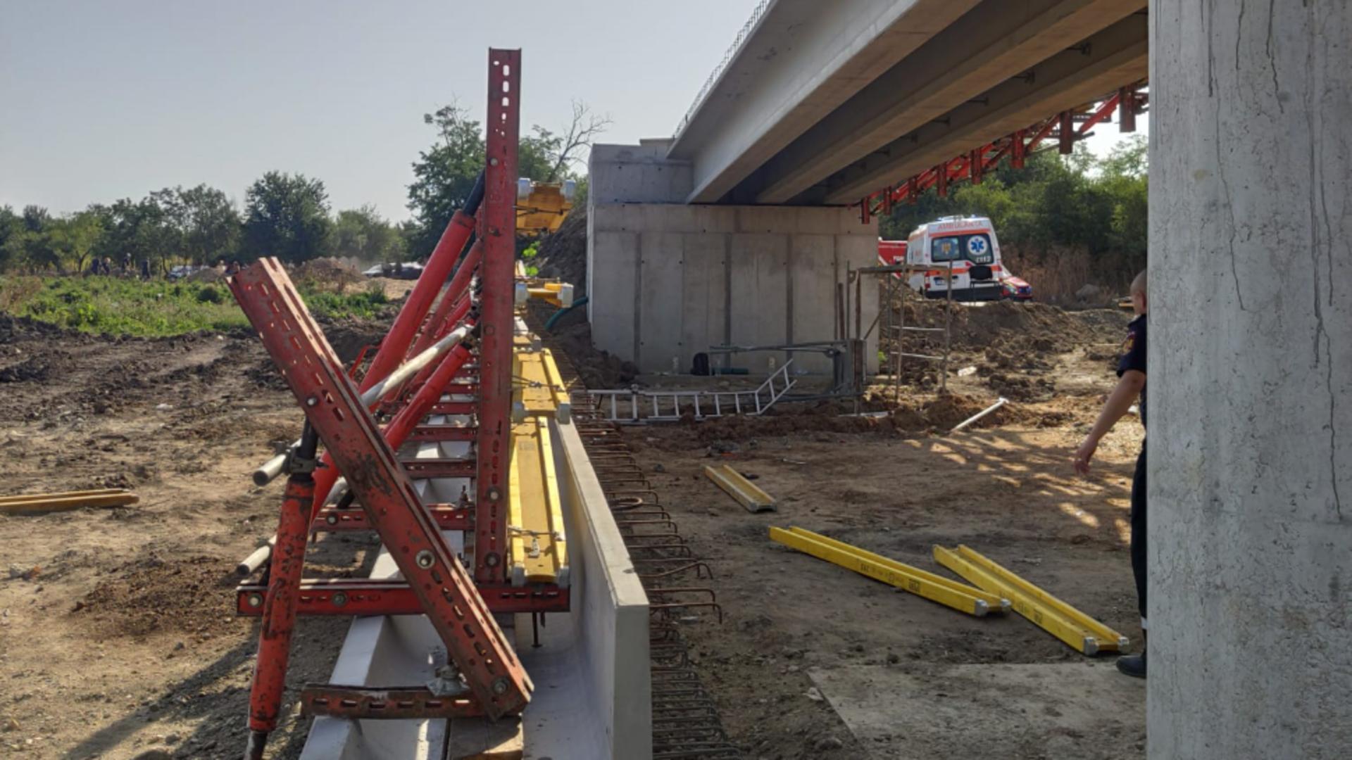 Pod prăbușit peste muncitori, în județul Teleorman