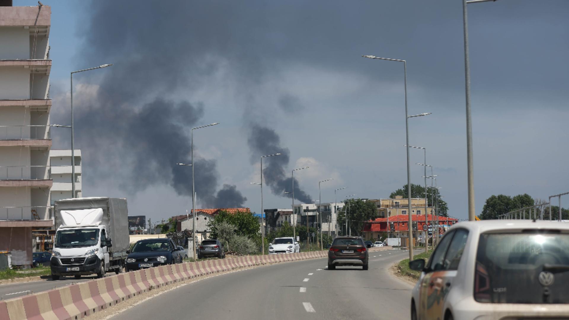 MOMENTUL exploziei de la rafinăria Petromidia-Năvodari Foto: INQUAM/Costin Dincă