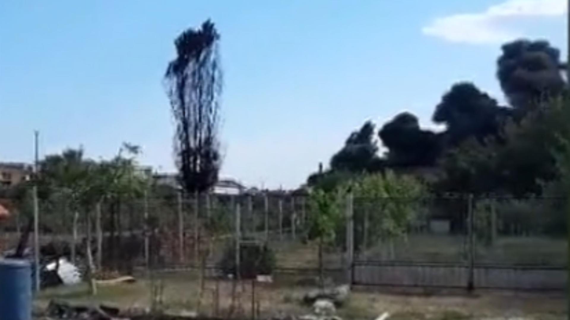 Fum după incendiul de la depozitul Salonta, Bihor