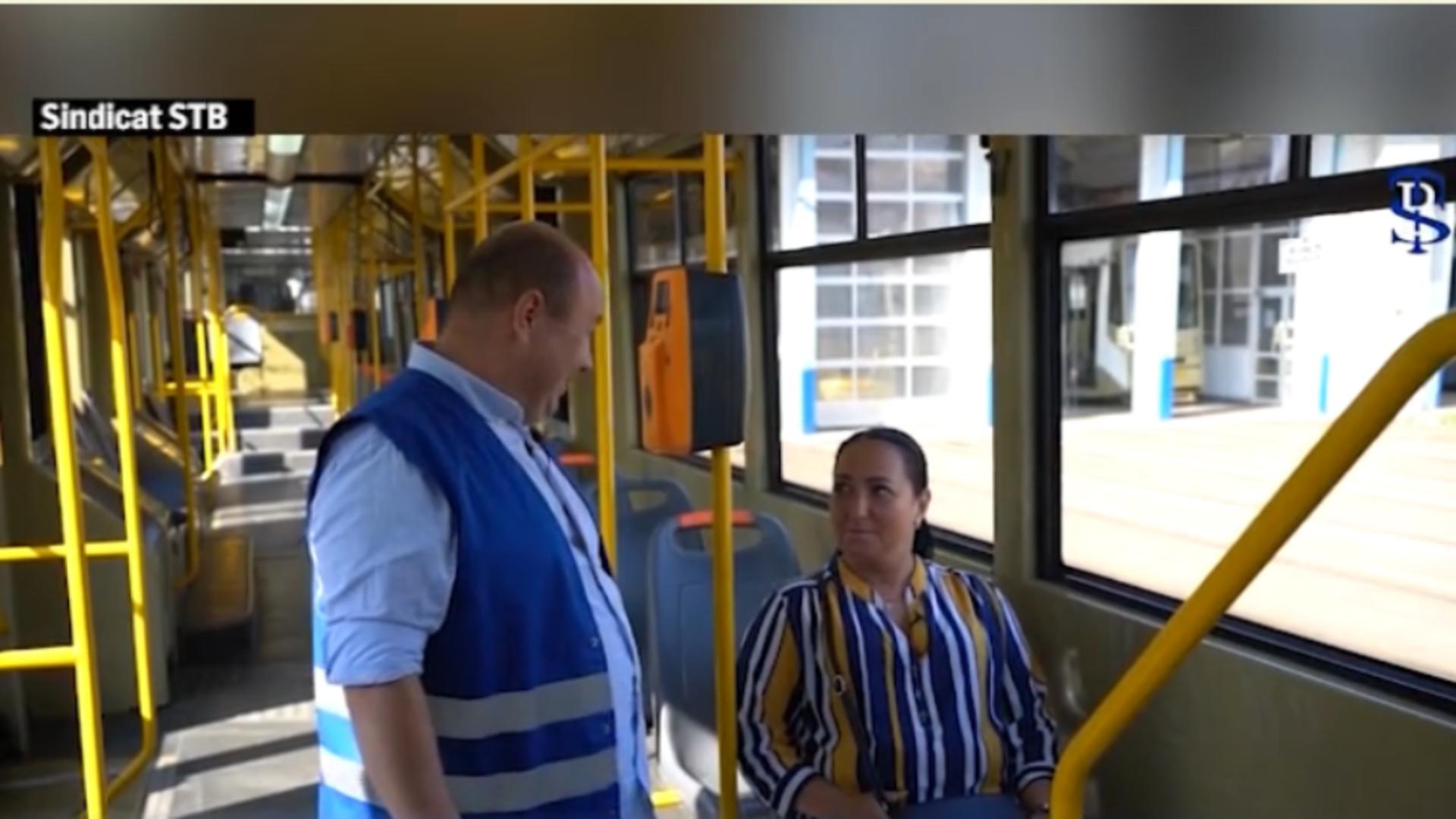 Controlor STB îndrăgostit de persoana amendată / Captură foto
