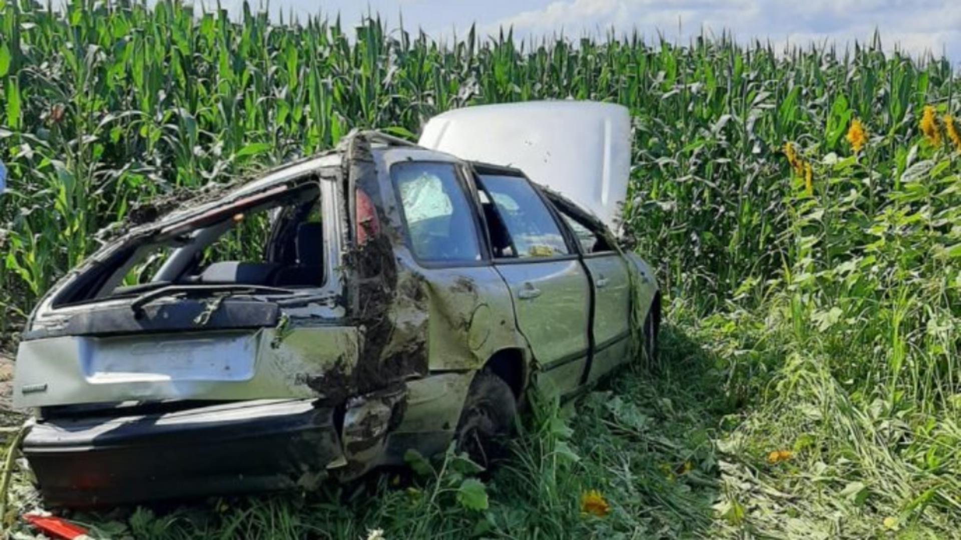 4 copii, răniţi după ce mașina în care se aflau s-a răsturnat. Foto: ISU Neamț