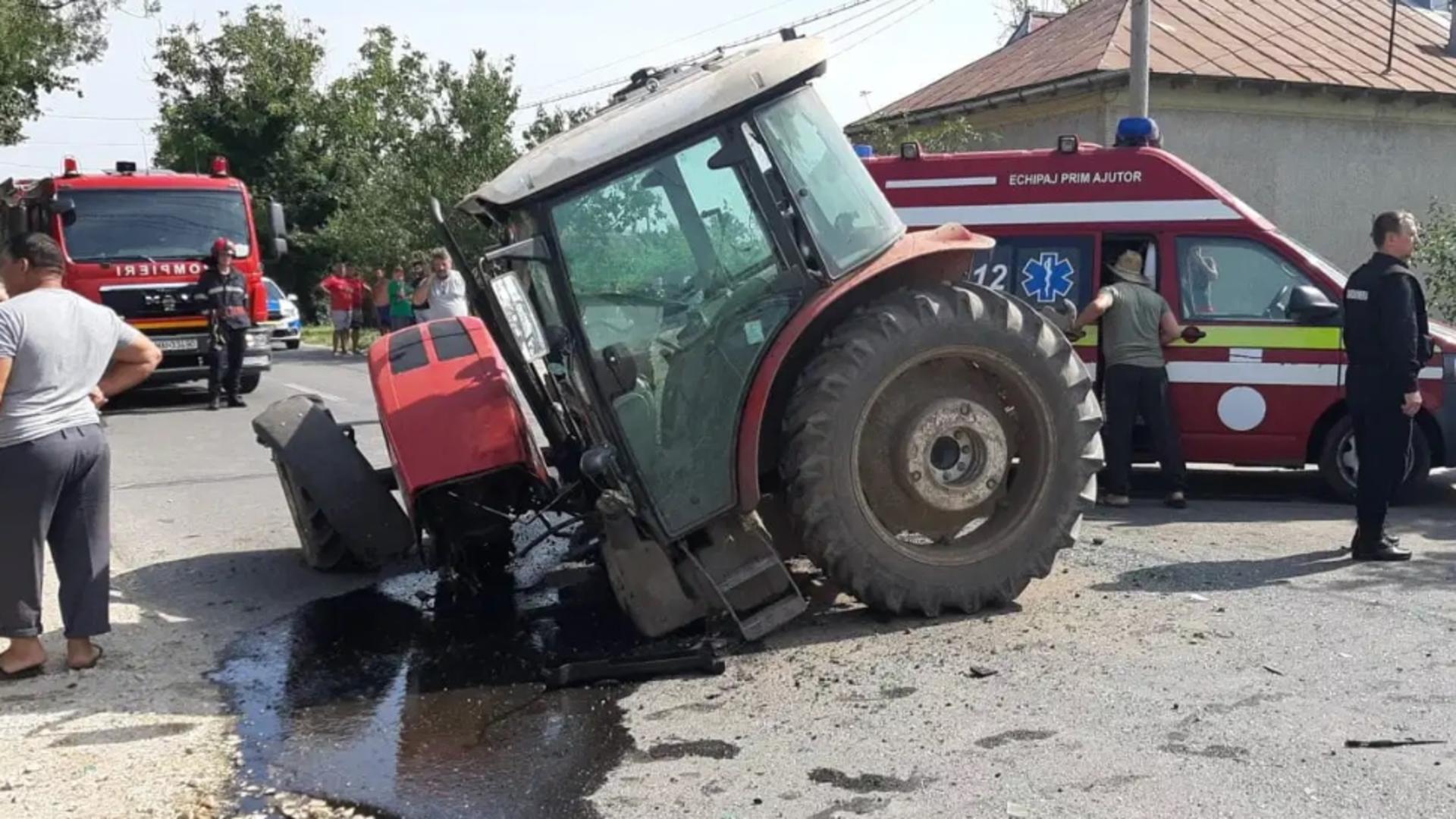 Impact nimicitor între un tractor și un BMW / Foto: ziarulteleormanul.ro