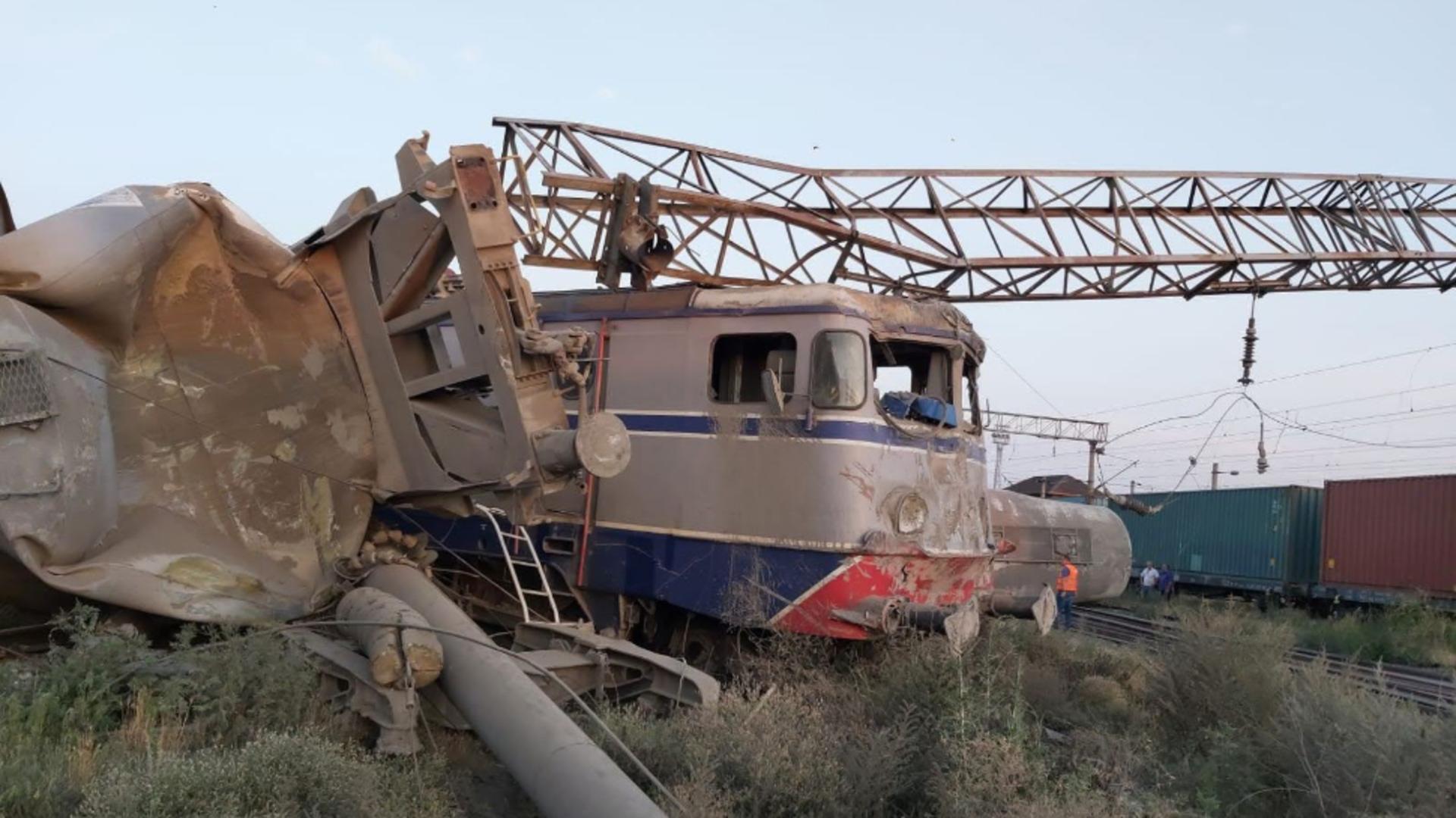 Ciocnirea celor 2 trenuri de marfă a provocat haos în trafic