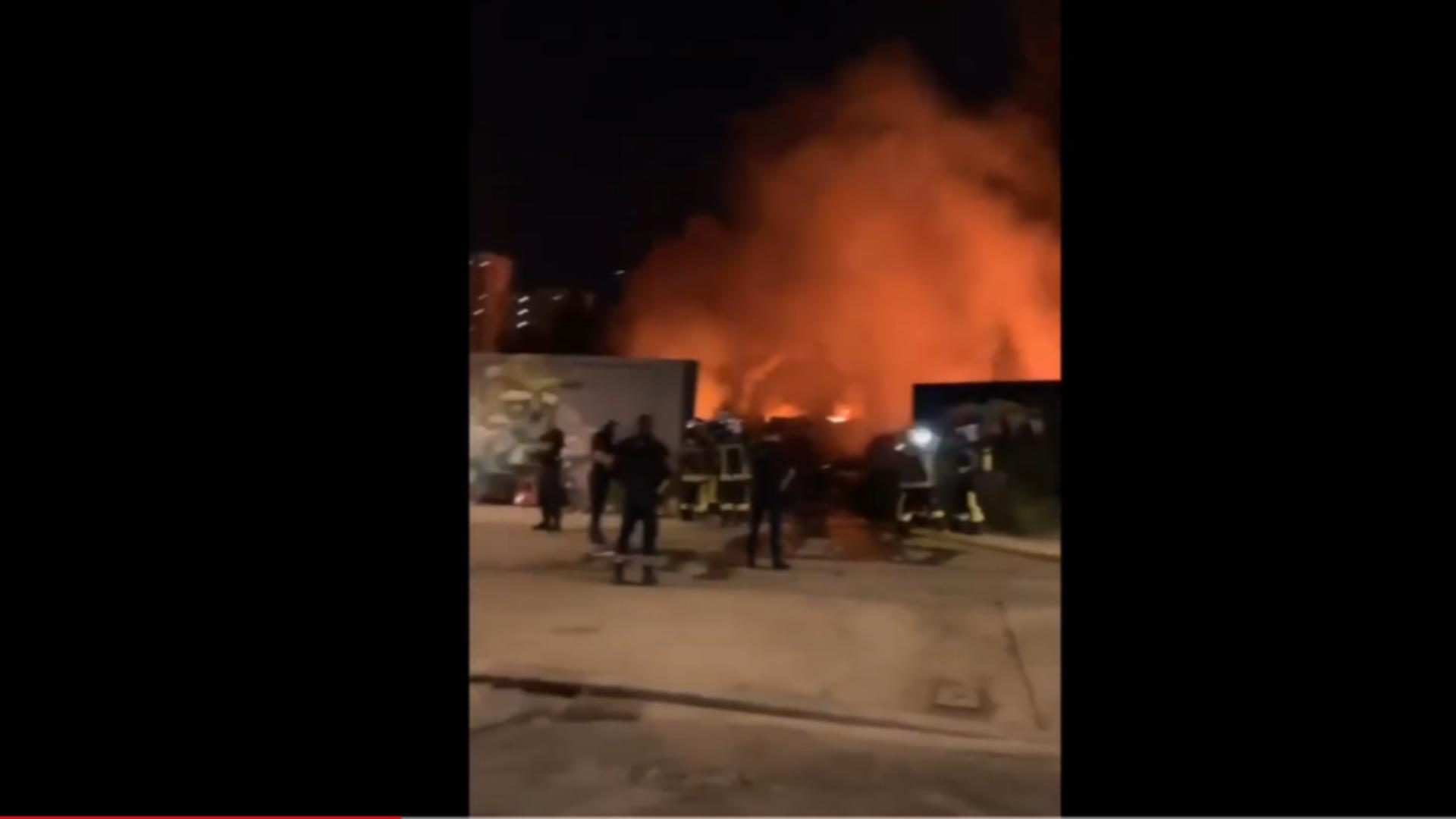 O tabără cu români de lângă Bordeaux a fost incendiată de niște tineri. Foto/captură video