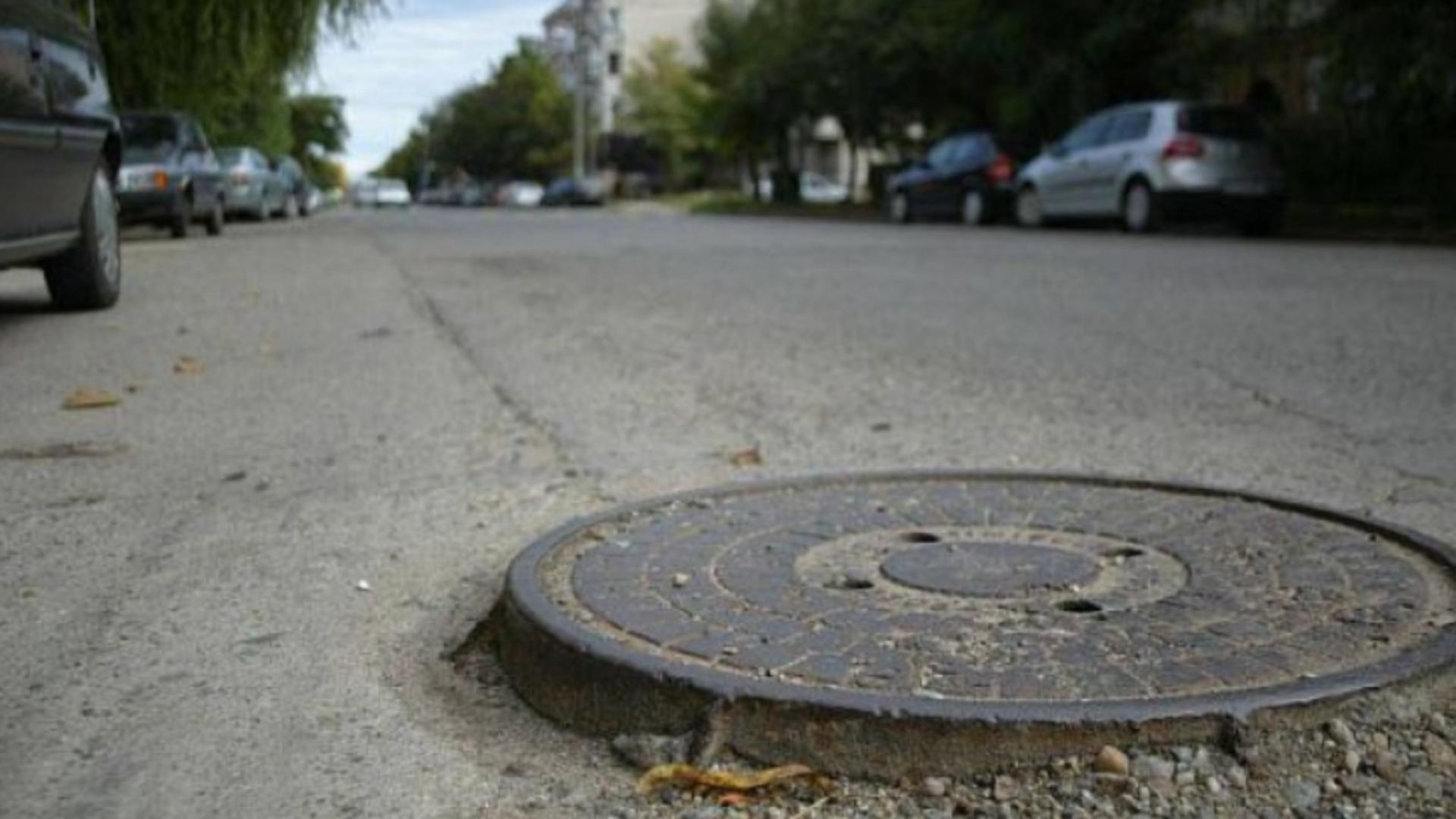 Moarte suspectă, în Capitală: tânăr de 18 ani, găsit spânzurat într-un canal. Era dat dispărut de trei zile