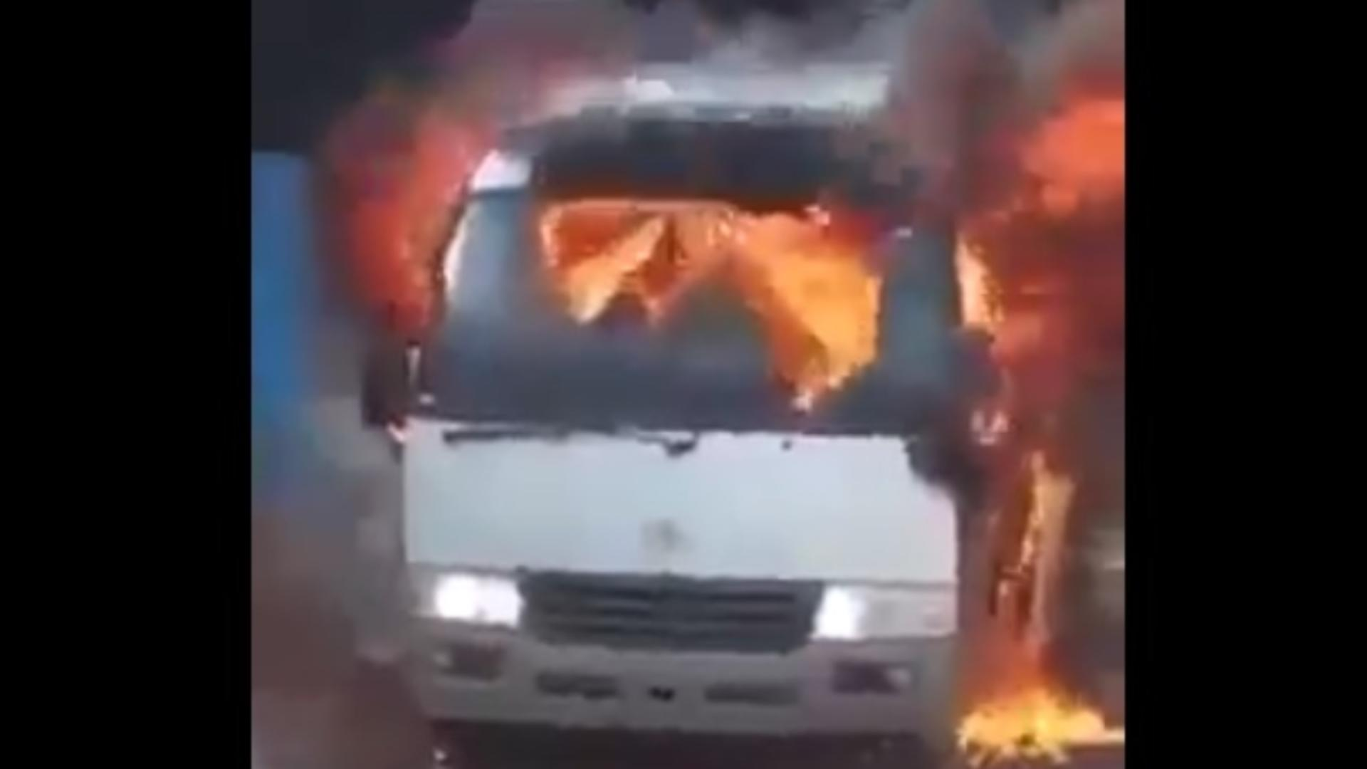 Atentat terorist asupra unui autocar cu fotbaliști. Cel puțin 5 morți – Colaboratori ai Al Qaeda bănuiți de bombardament