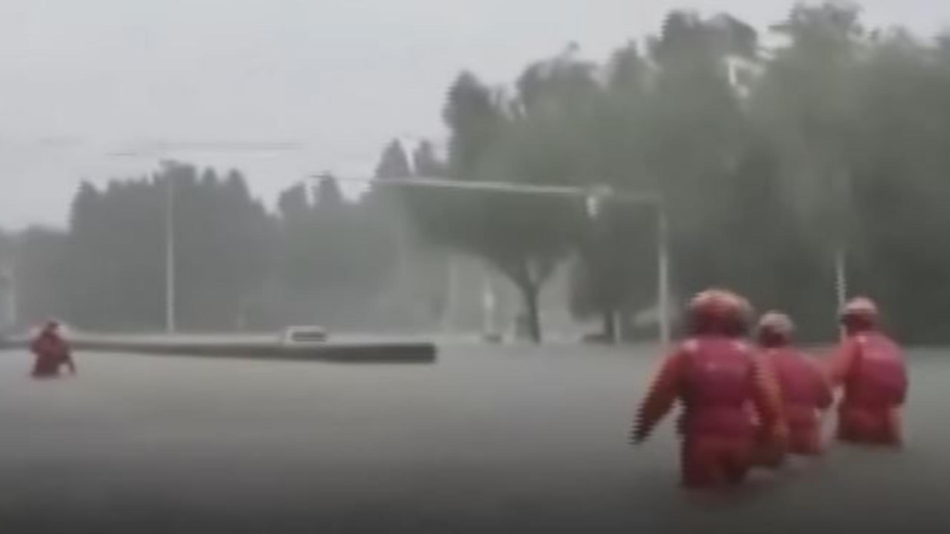 Bilanțul tragic al inundațiilor devastatoare din China a ajuns la 33 de morți și 8 dispăruți. Foto/Captură video