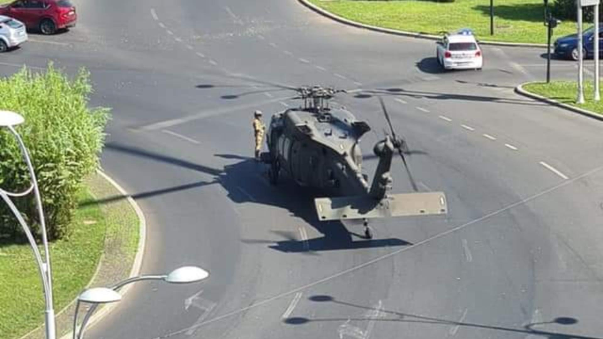 Elicopterul militar a fost ridicat