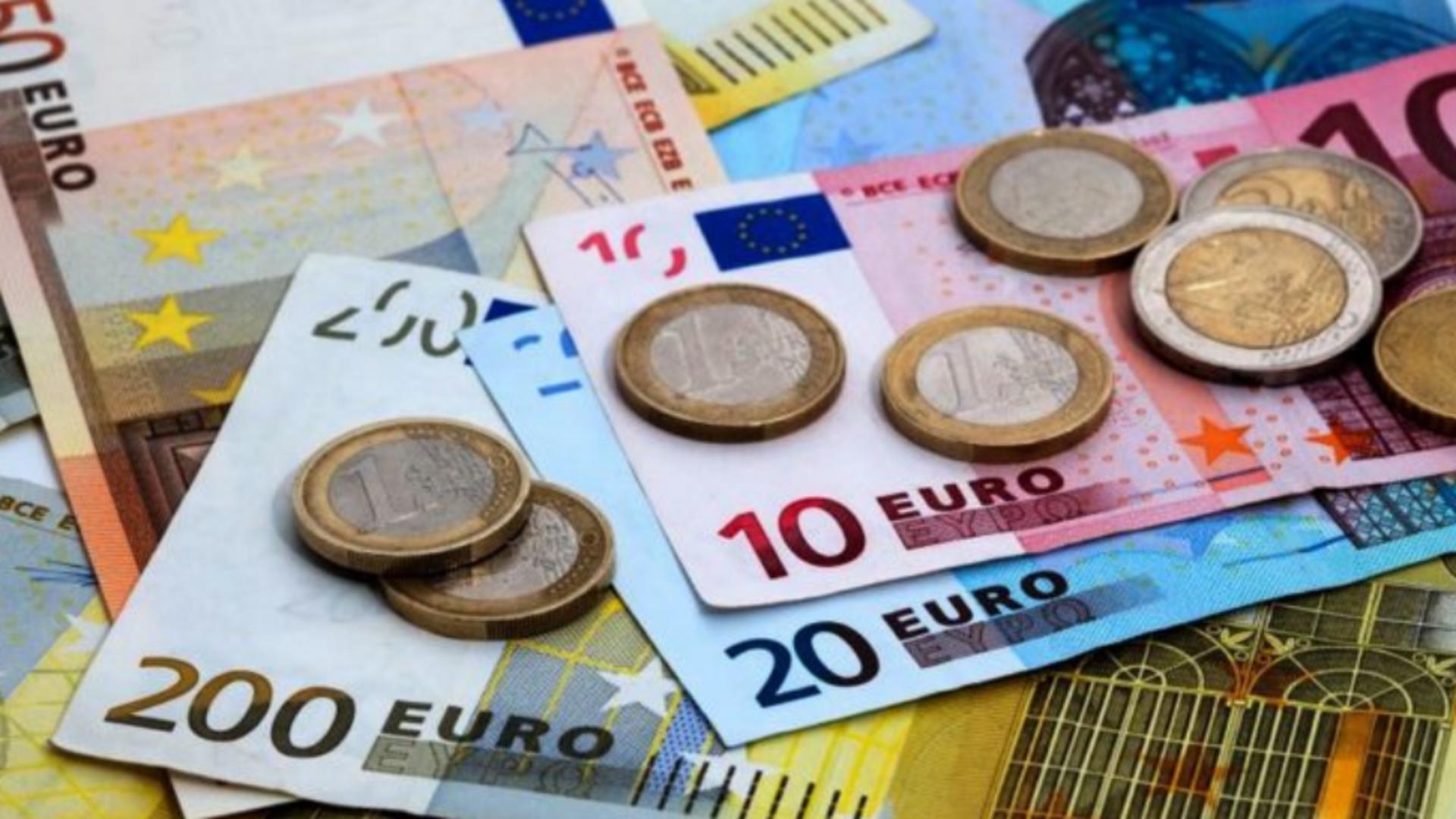 Euro, evoluție nefavorabilă în raport cu leul