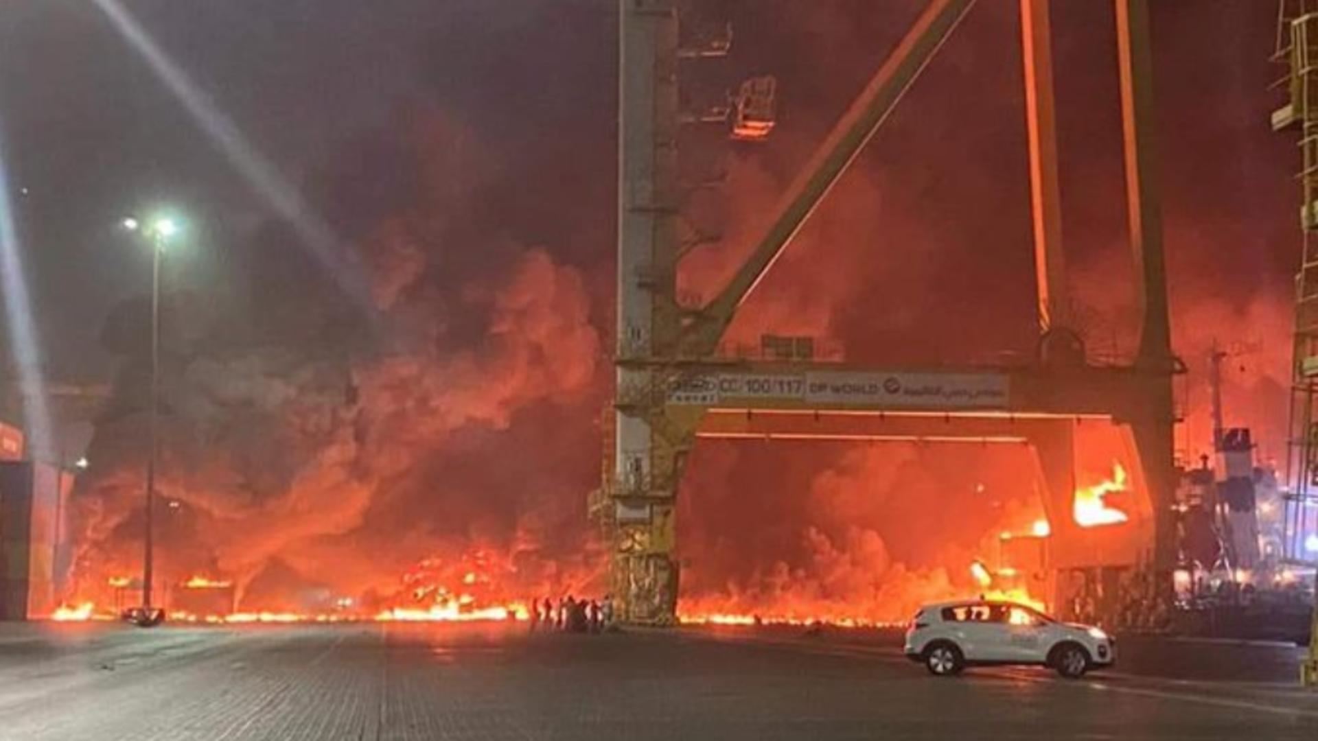 Incendiu puternic în Dubai Foto: Twitter