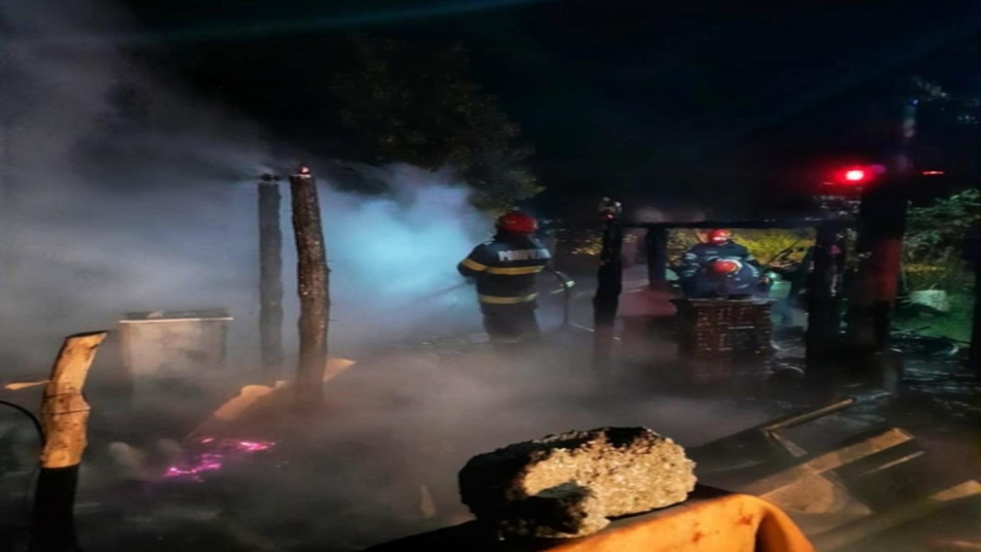 Incendiu violent, în Băneasa