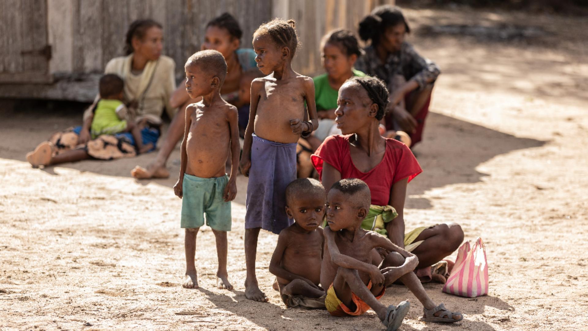 ALERTA EXTREMĂ: Madagascar, lovită de foamete din cauza secetei, copiii sunt victime sigure