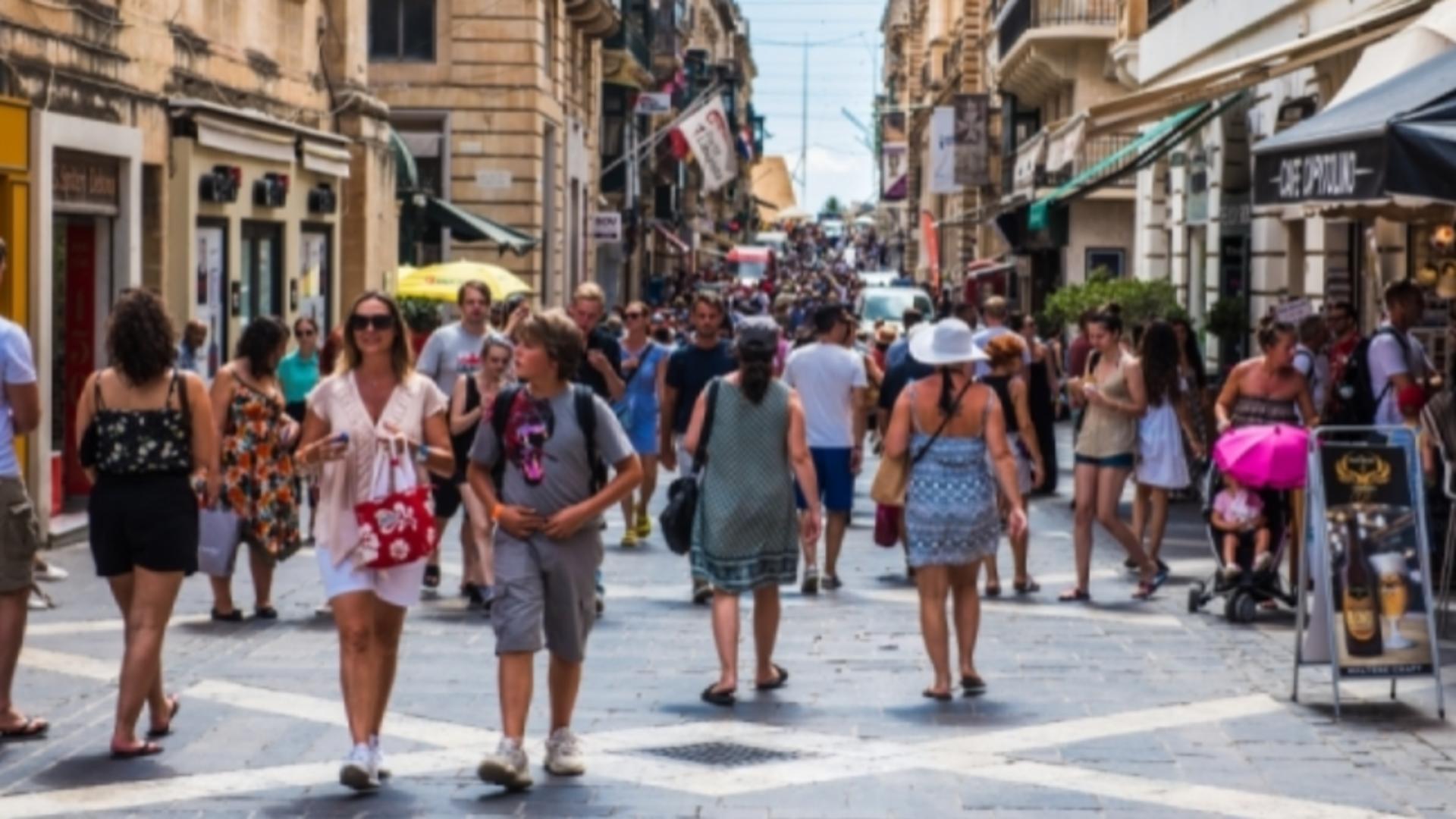Comisia Europeană, prima MĂSURĂ după ce Malta a INTERZIS accesul turiștilor nevaccinați anti-COVID-19