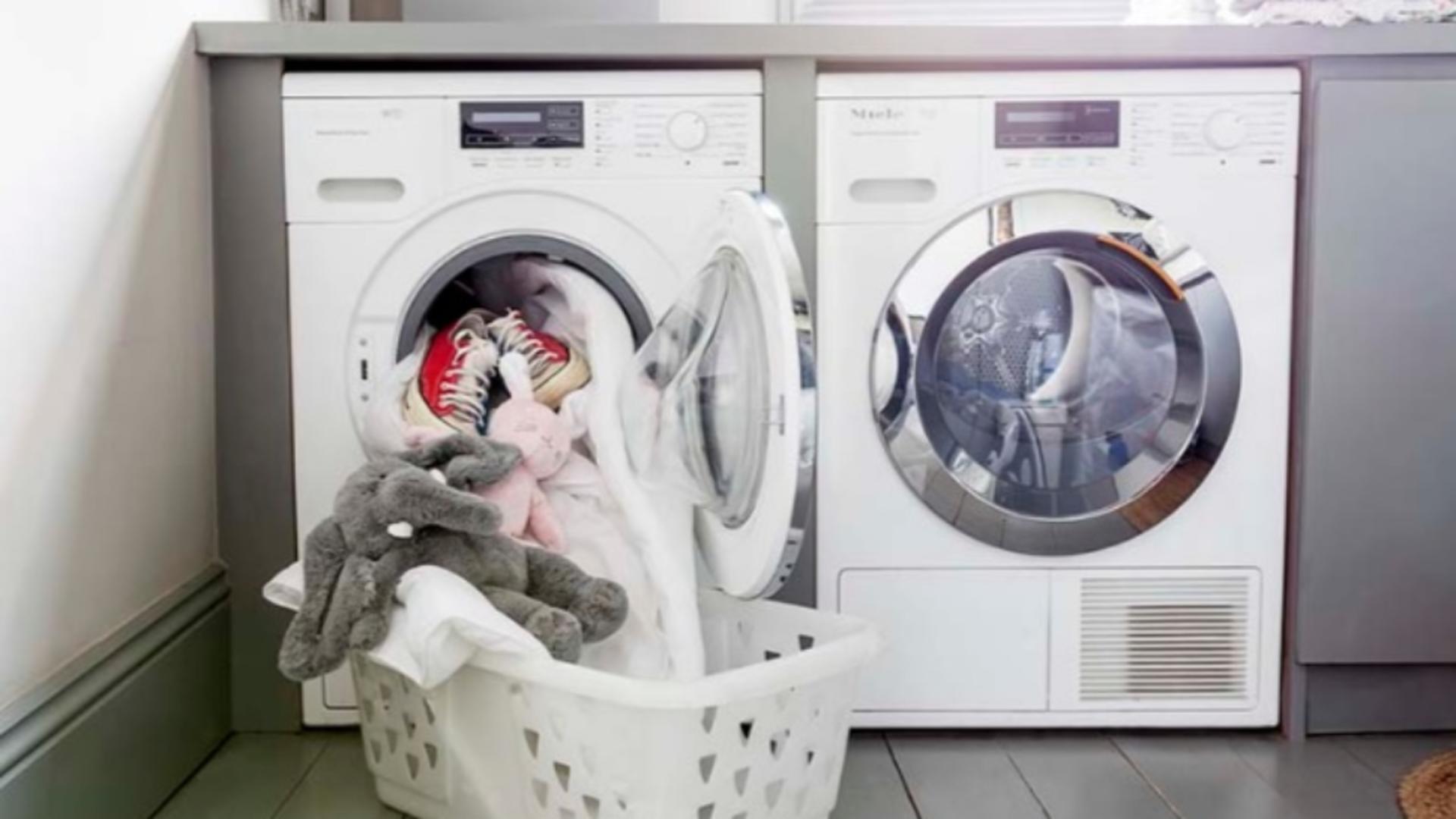 Cum să scoți rufele CĂLCATE direct din mașina de spălat