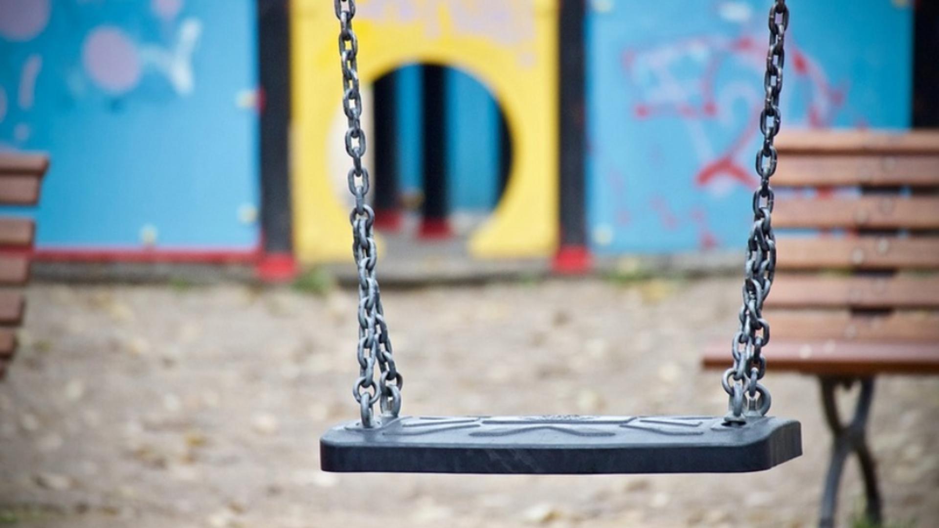 Copil agresat în parc