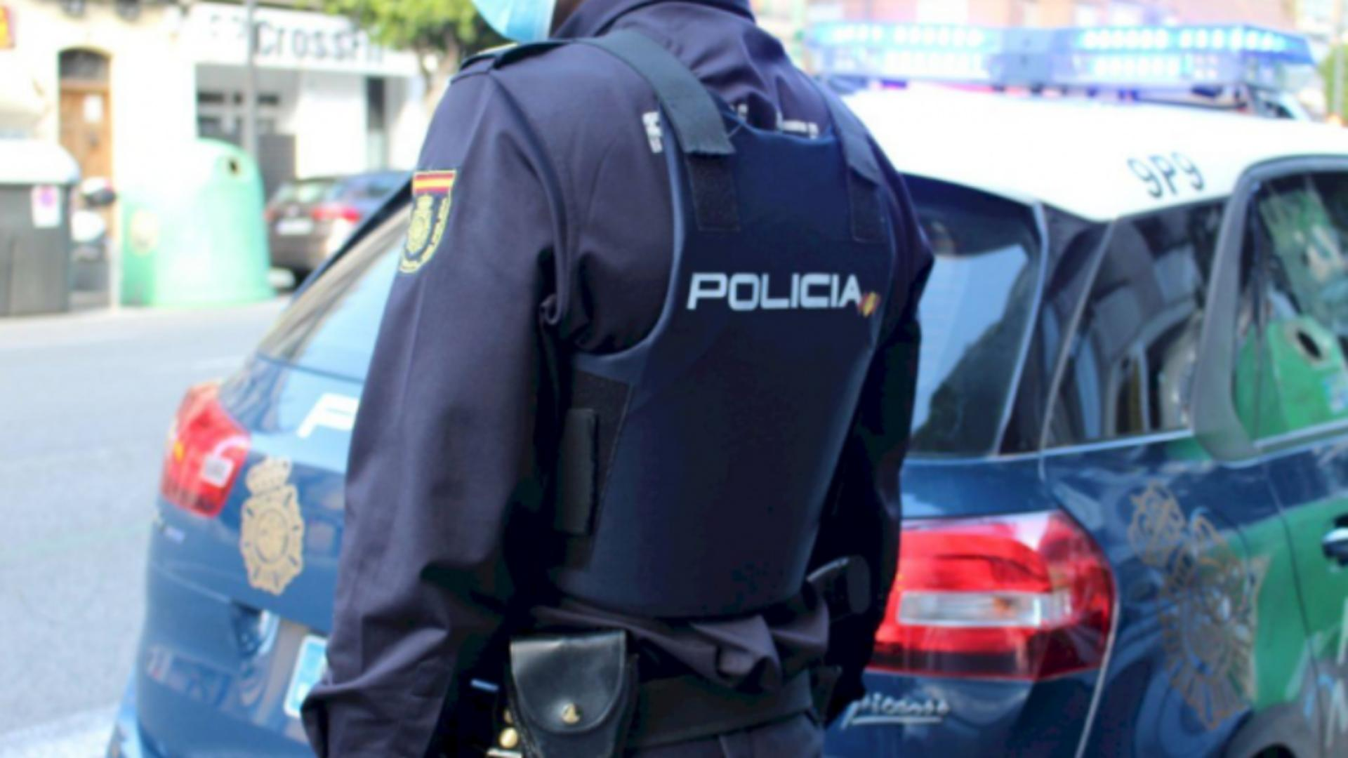Un român a strâns de gât un minor și i-a furat telefonul mobil
