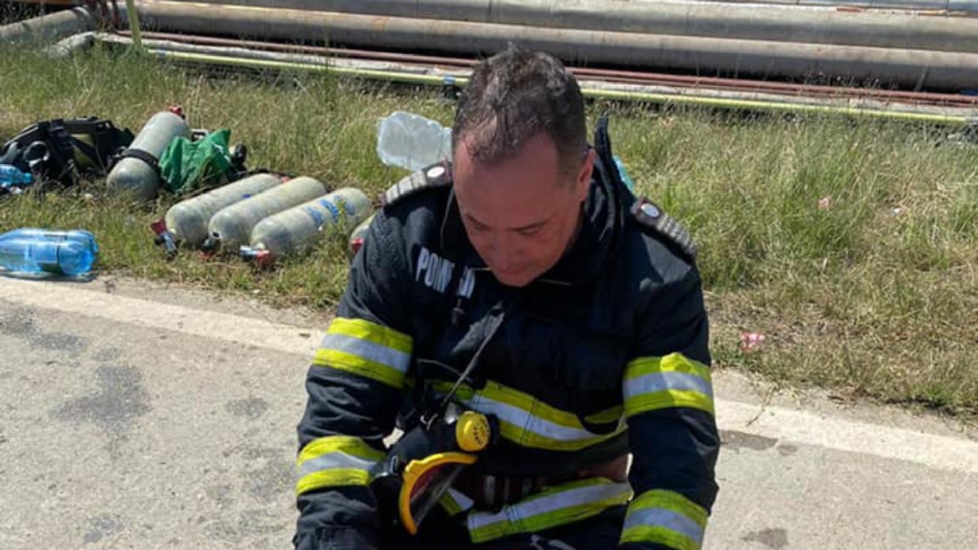 FILMUL intervenției impresionante a pompierilor după EXPLOZIA și INCENDIUL de la Petromidia-Năvodari