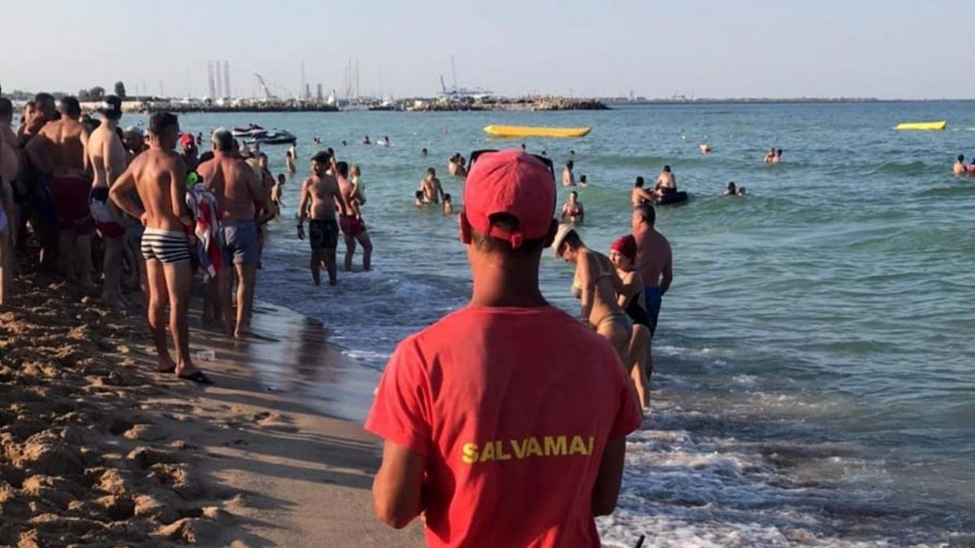 Salvamar pe plaja (arhiva Focus Press)