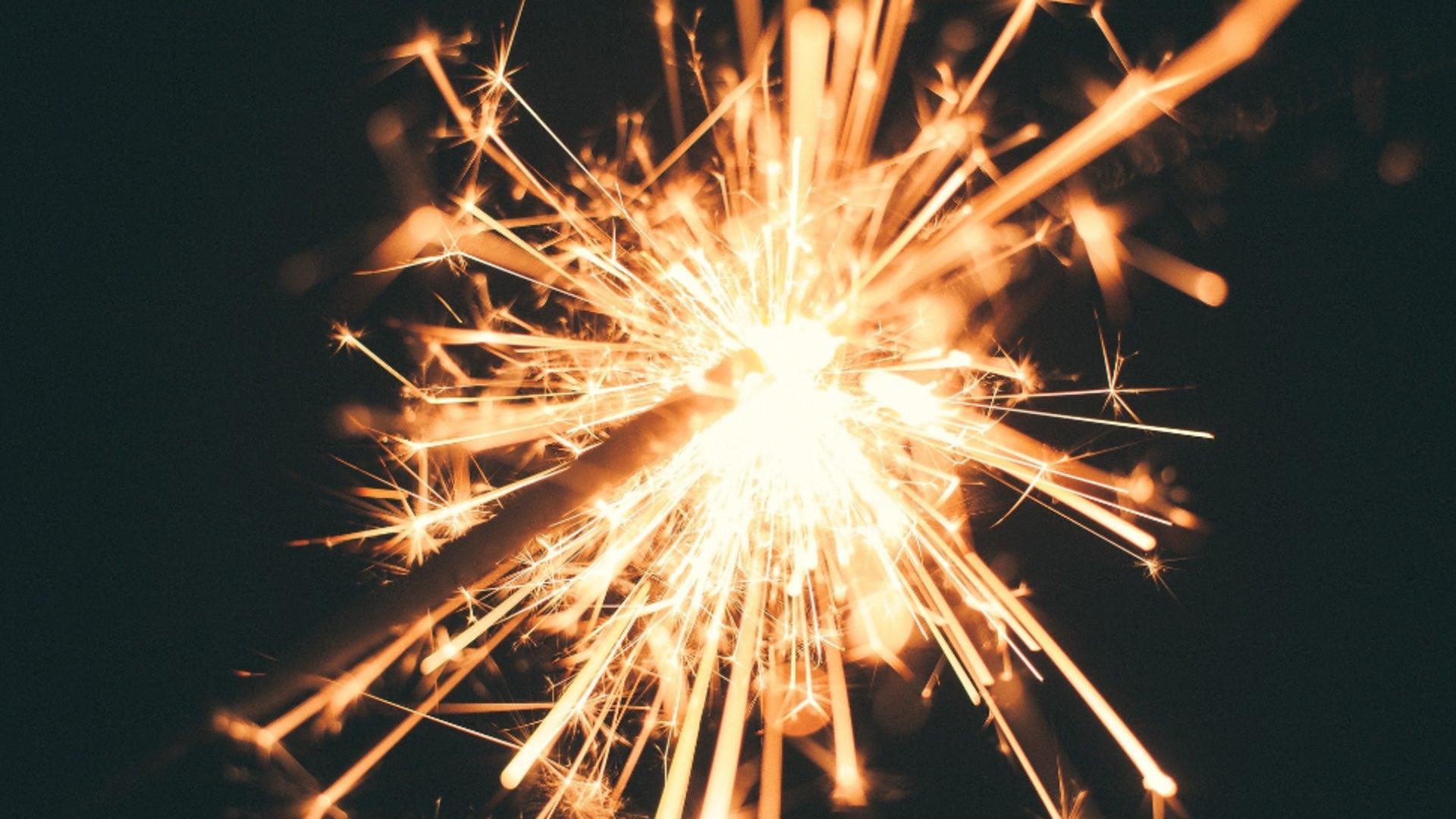 Patru persoane au fost rănite de artificii, la o pensiune din Dolj. Foto: Pixabay