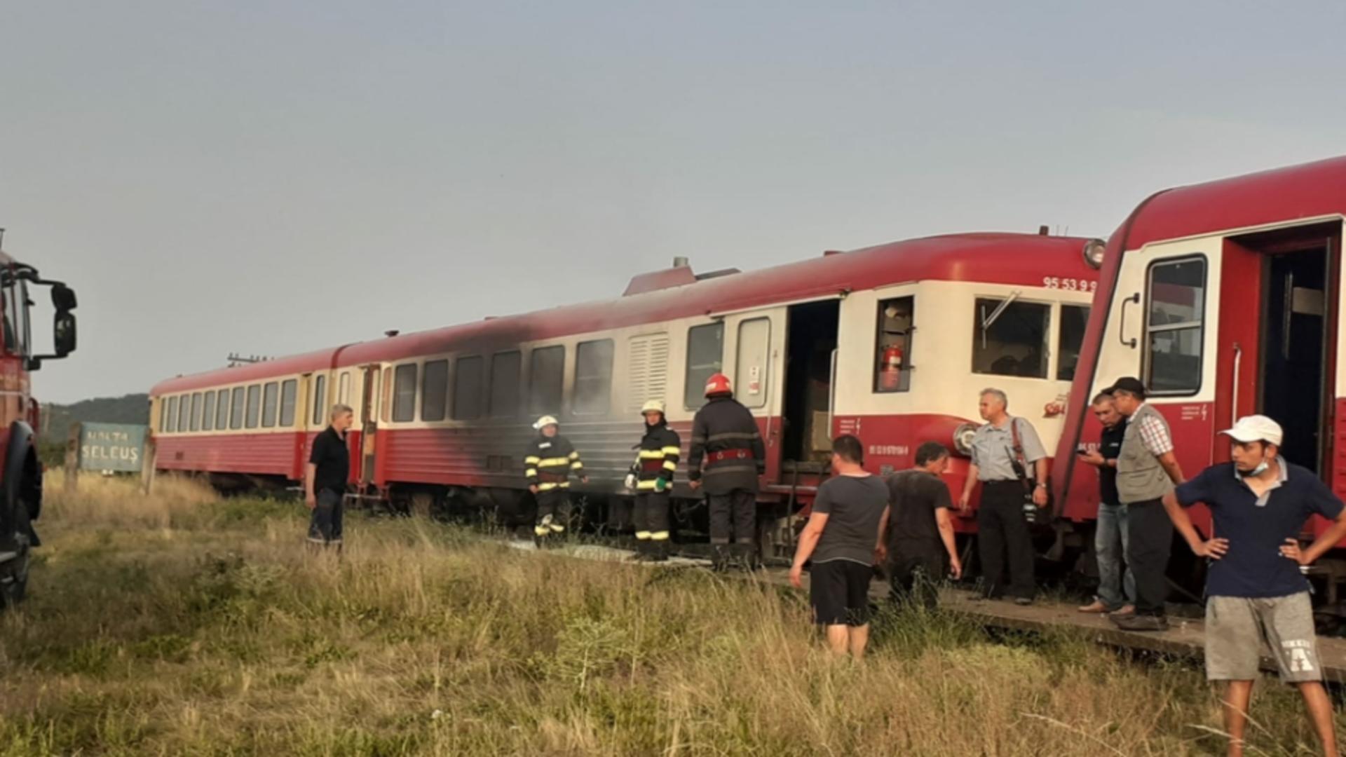 Calatori debarcati din  tren