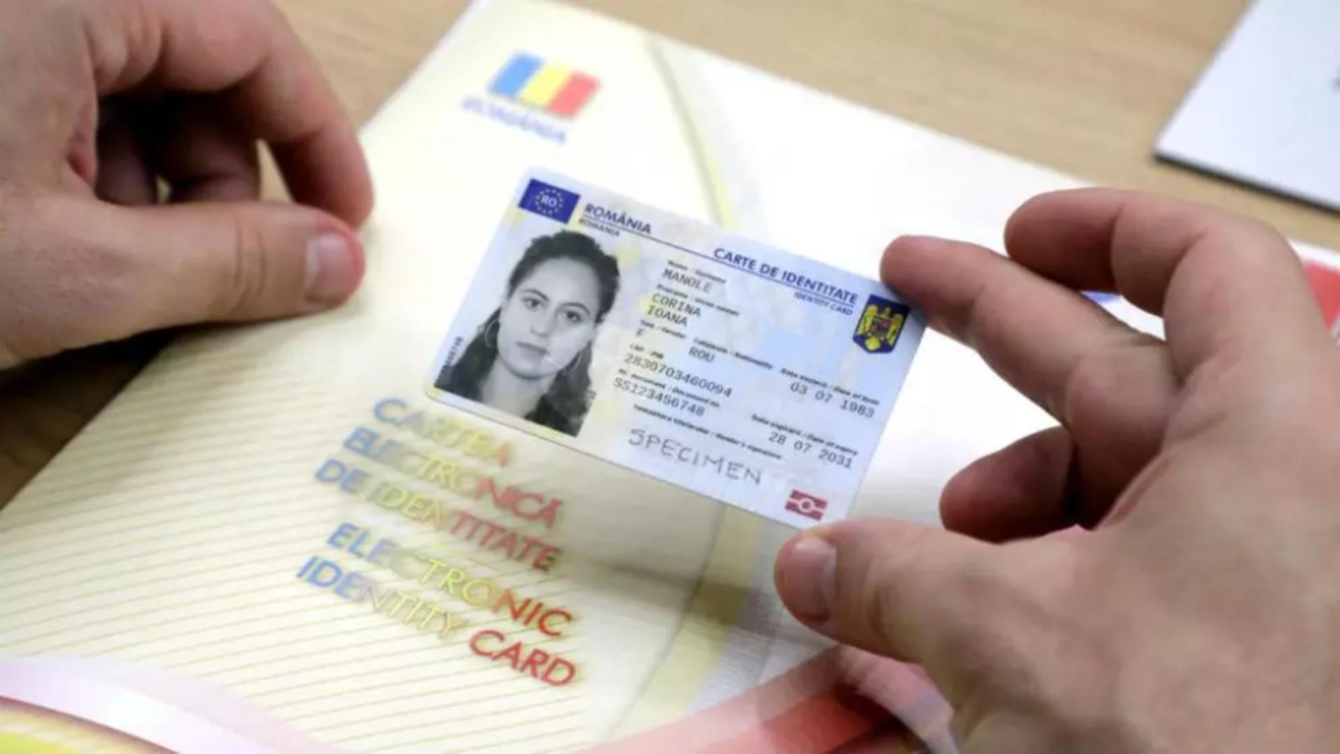 Carte electronică de identitate. Foto: Facebook Lucian Bode, ministrul de Interne