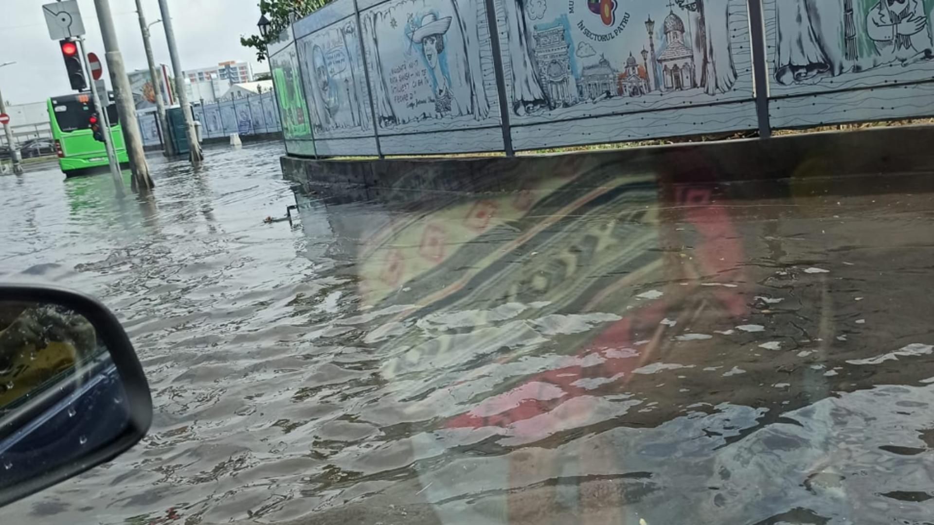 Inundații Capitală / Foto: Facebook grup Info Trafic Bucuresti si Ilfov