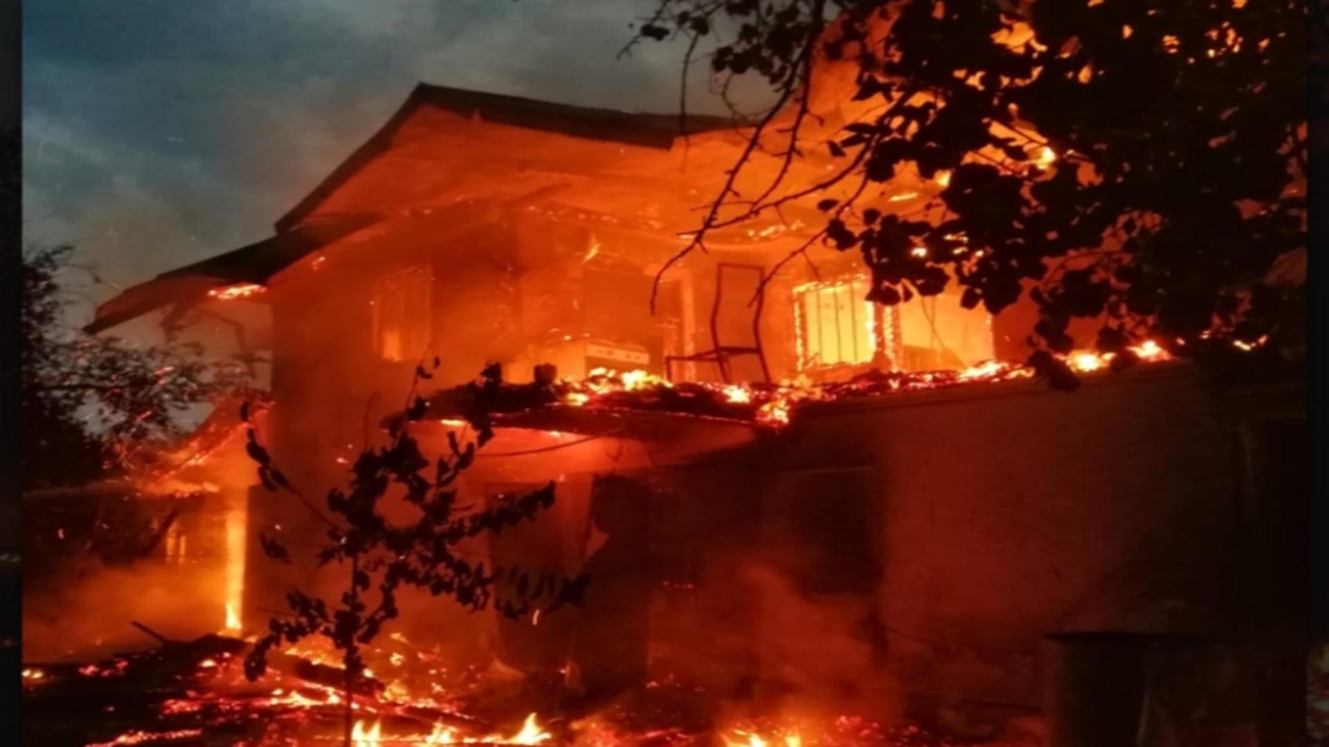 Incendiu casă Vâlcea