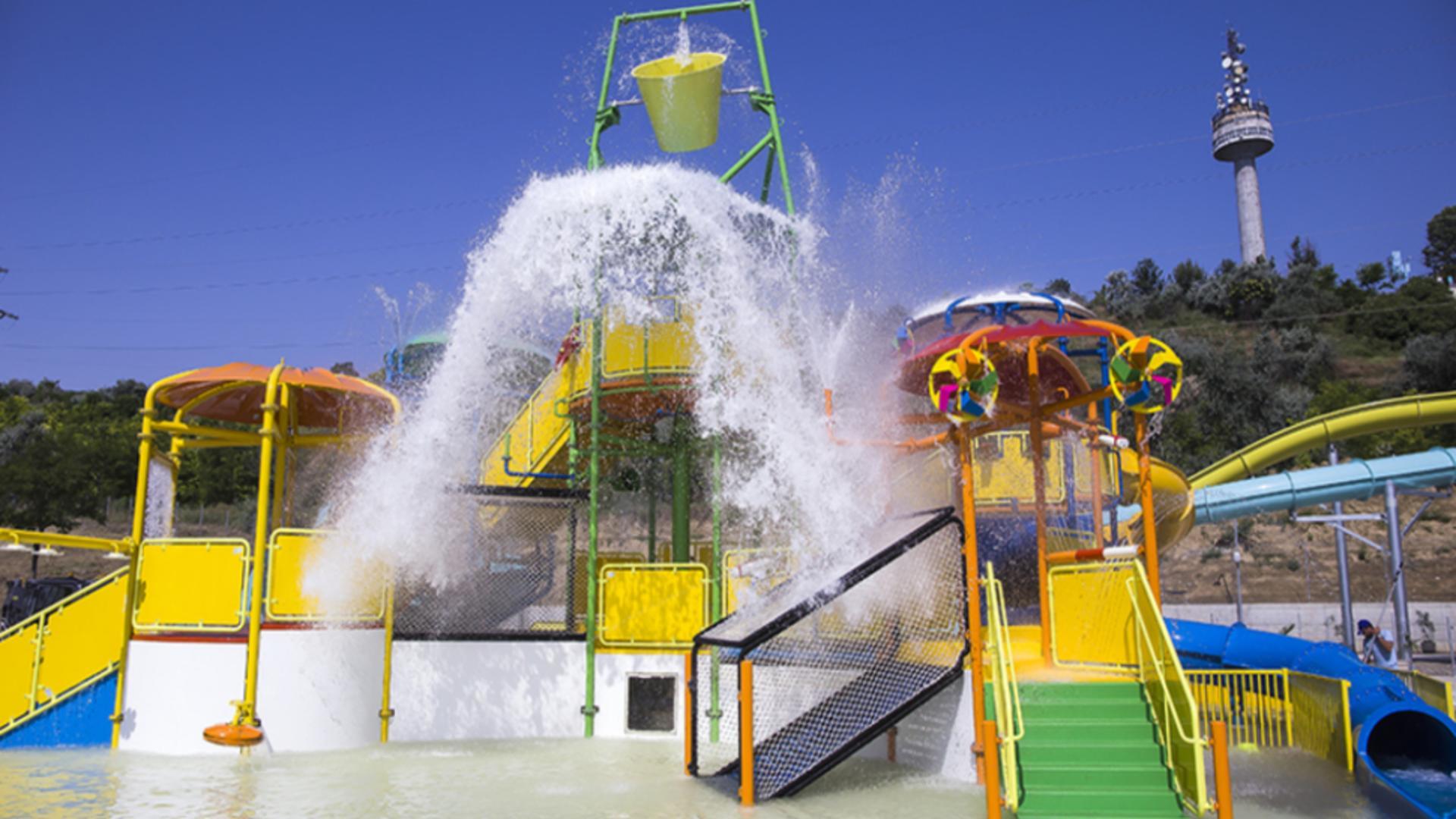 Aquapark-ul de pe malul Dunării, din Galaţi.