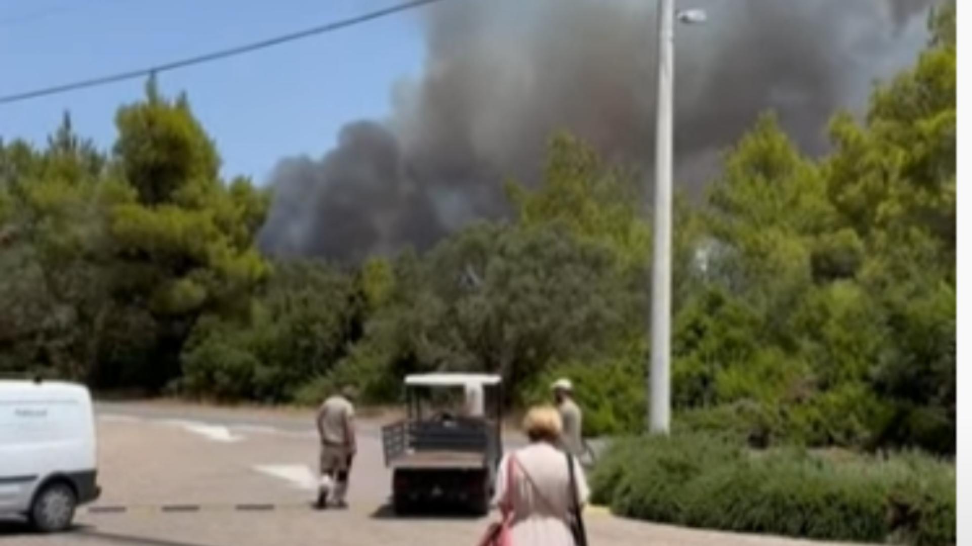 Incendiu Atena. Foto: captură YouTube