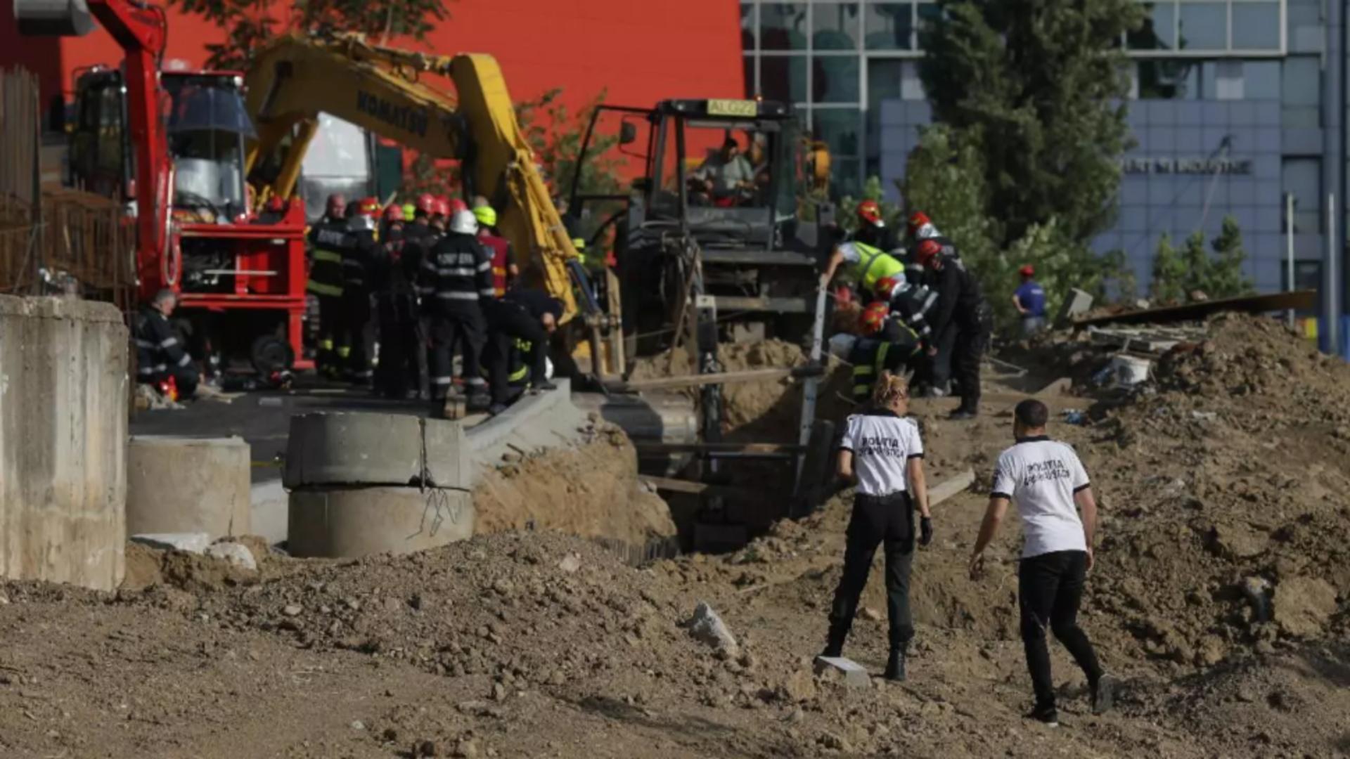 Operațiunile de căutare a muncitorilor îngropați sub pământ (Inquam/Octav Ganea)