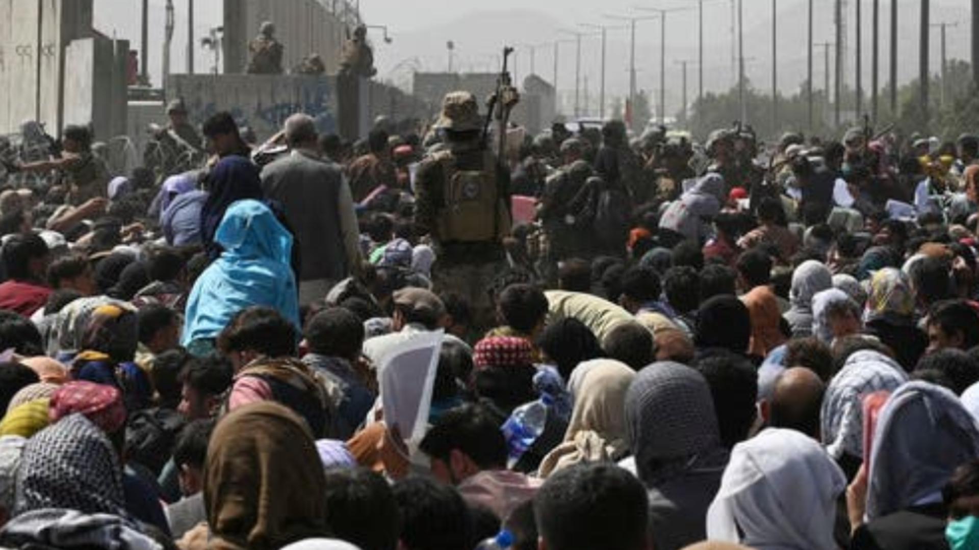 Cei 9 români aflați la Kabul nu au suferit de pe urma exploziei. Foto/Arhivă