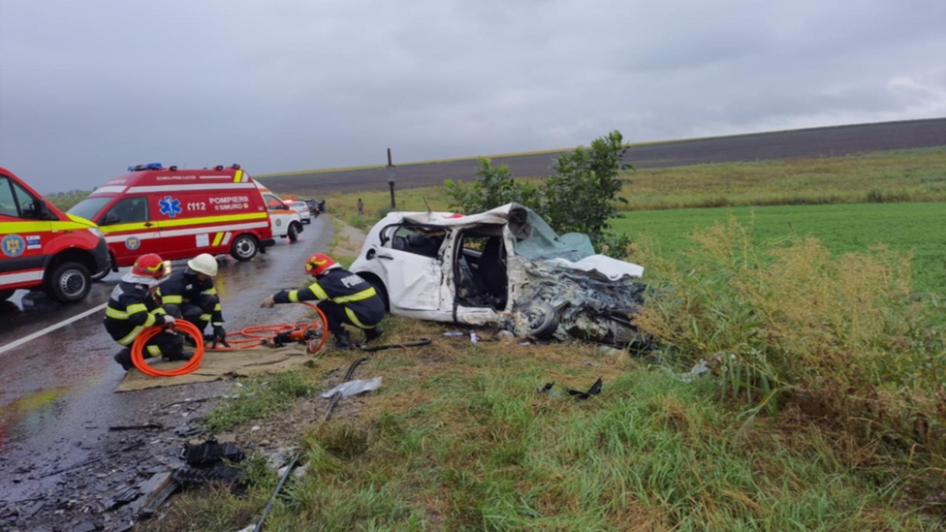 Foto arhivă. Accident grav într-o localitate din Suceava. Doi copii și un adult au ajuns la spital.