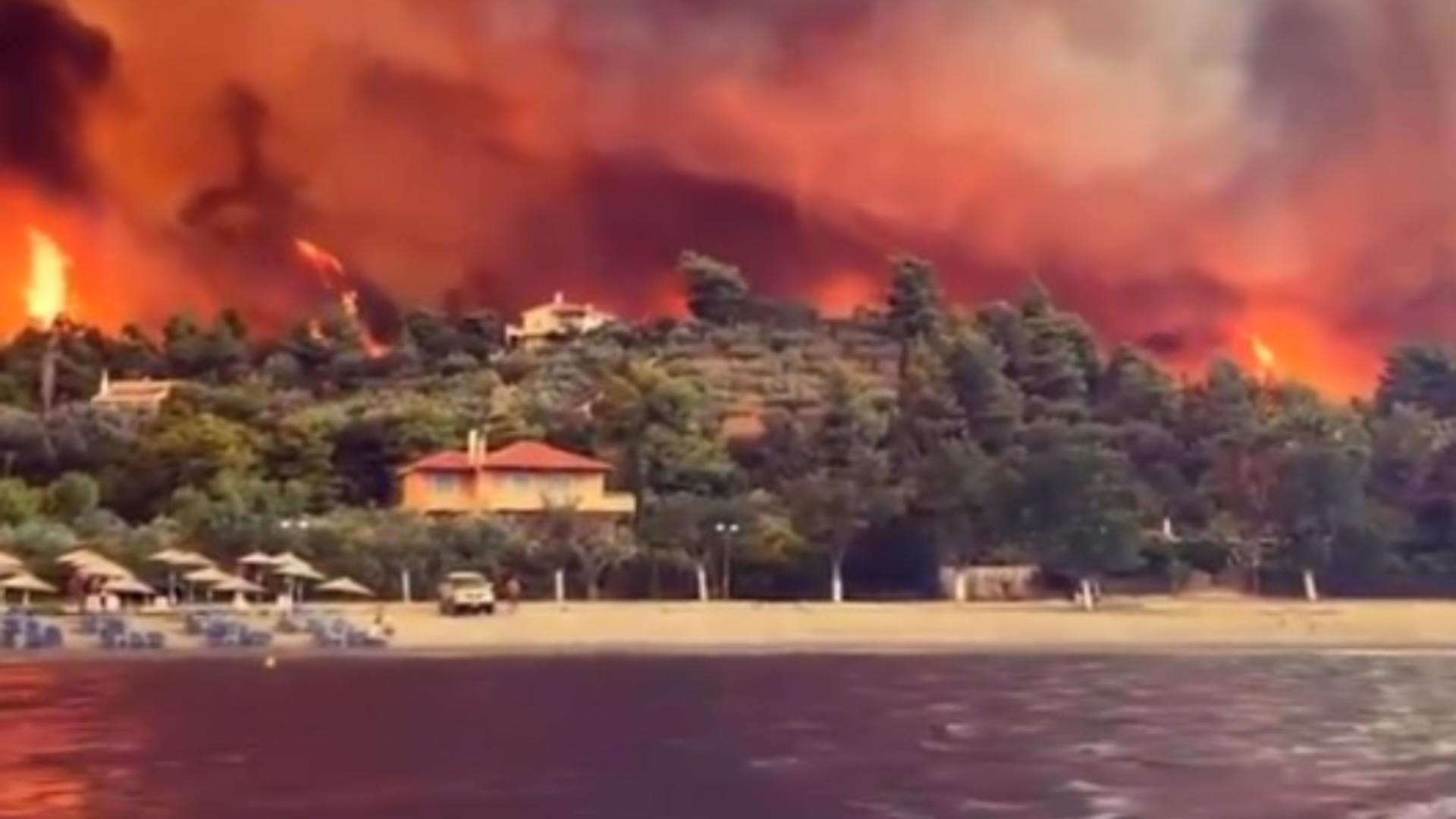 Imagini apocaliptice în Grecia cu incendiile provocate de caniculă