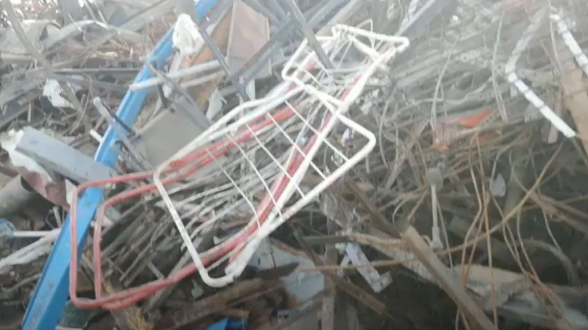Barjă cu deșeuri, descoperită de Garda de Mediu Constanța. Captură video