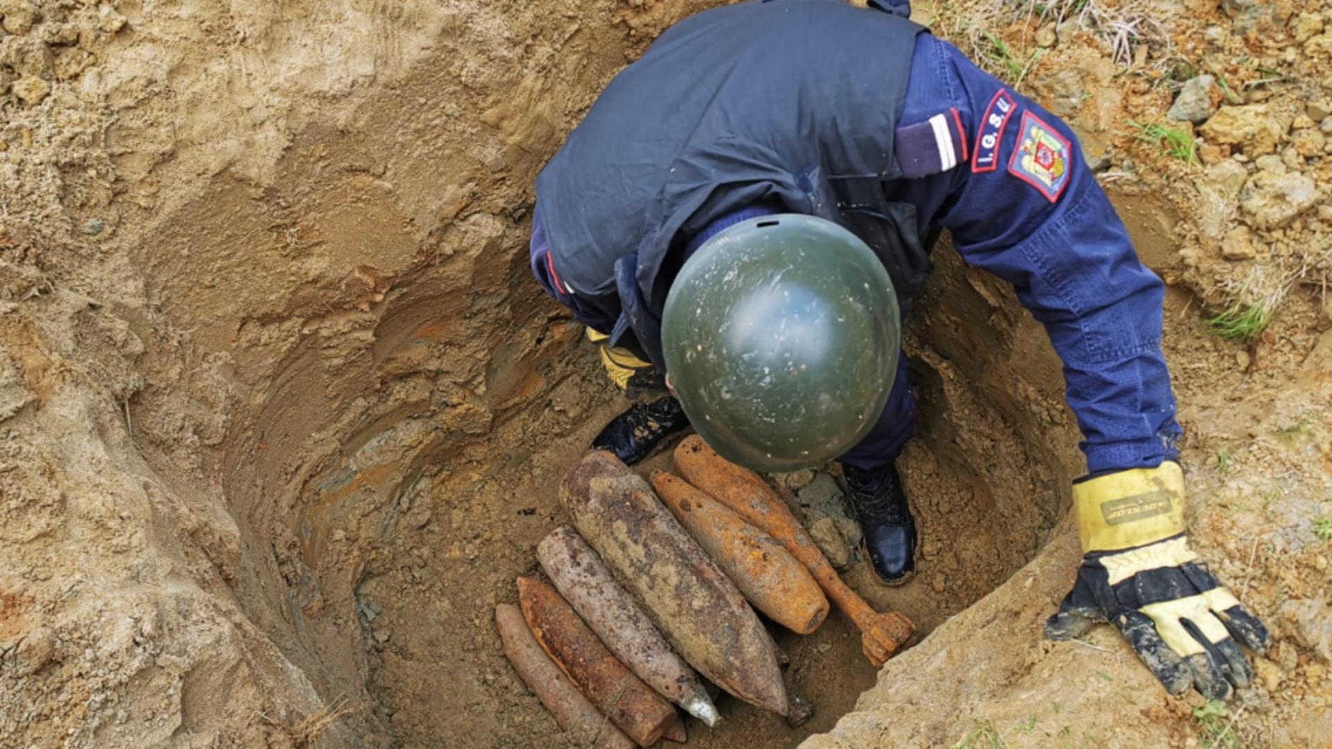 Foto arhivă Inquam. Muniţie de război rămasă neexplodată, descoperită la Pufeşti şi Câmpuri